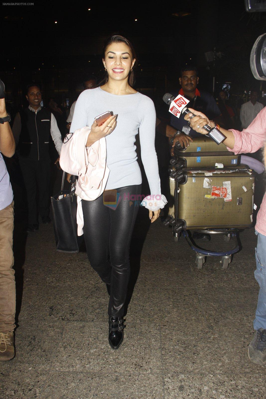 Jacqueline Fernandez snapped at airport on 23rd Nov 2016