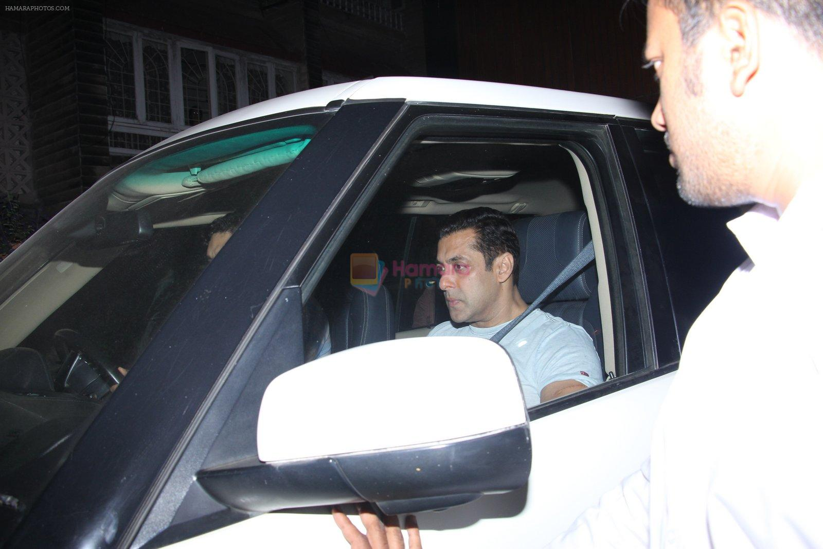 Salman Khan at Deanne Pandey hosts bash for Aayush and Arpita on 23rd Nov 2016