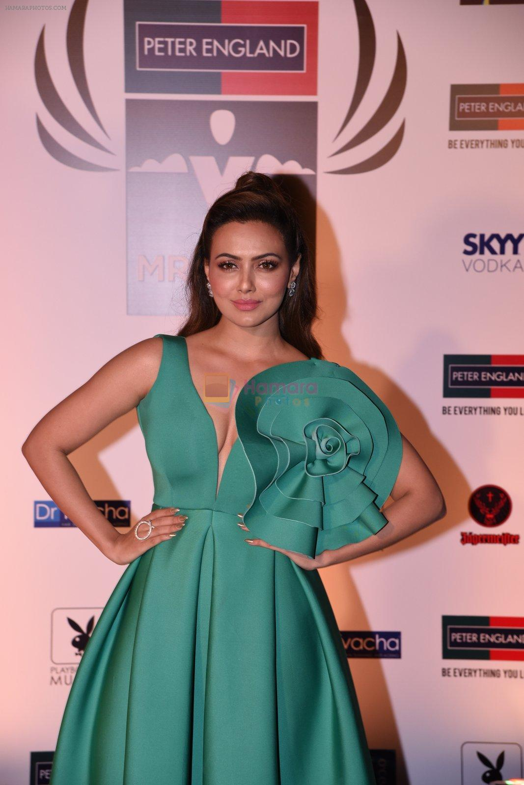 Sana Khan at Peter England Mr India on 24th Nov 2016