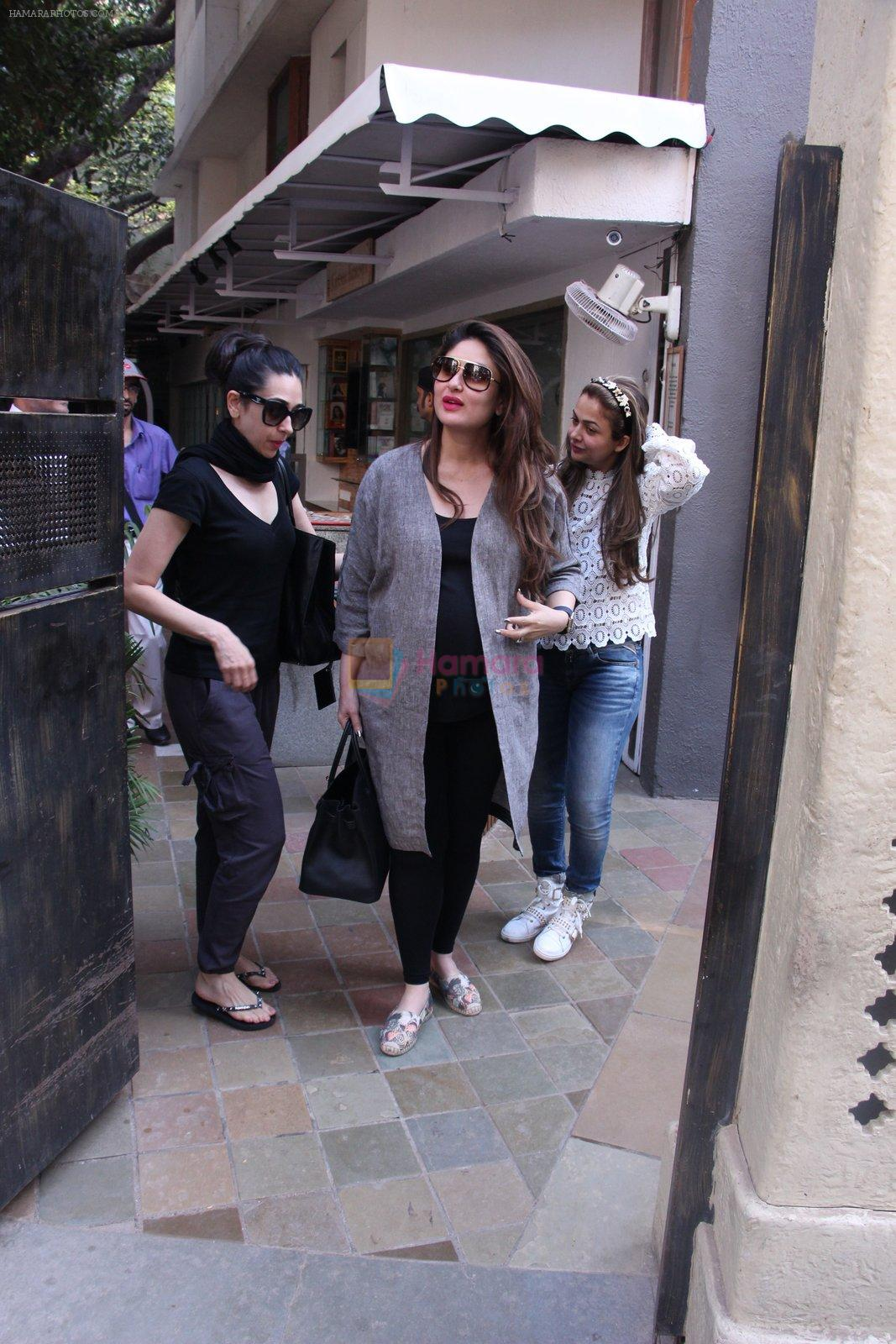 Kareena Kapoor, Karisma Kapoor and Amrita Arora snapped post lunch on 24th Nov 2016