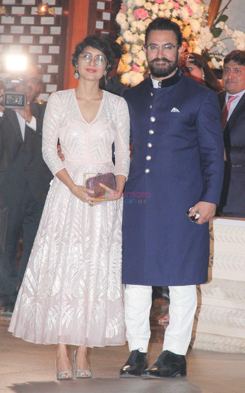 Kiran Rao, Aamir Khan at the Ambani's wedding party of their niece, Isheta Salgaoncar on 24th Nov 2016