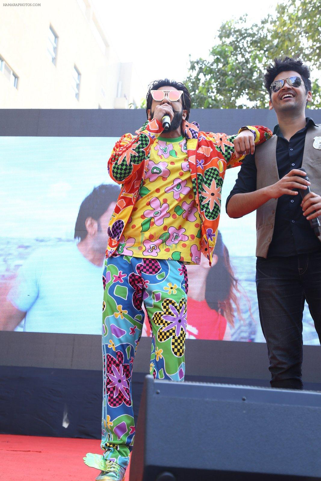 Ranveer Singh promote Befikre in Delhi University on 24th Nov 2016