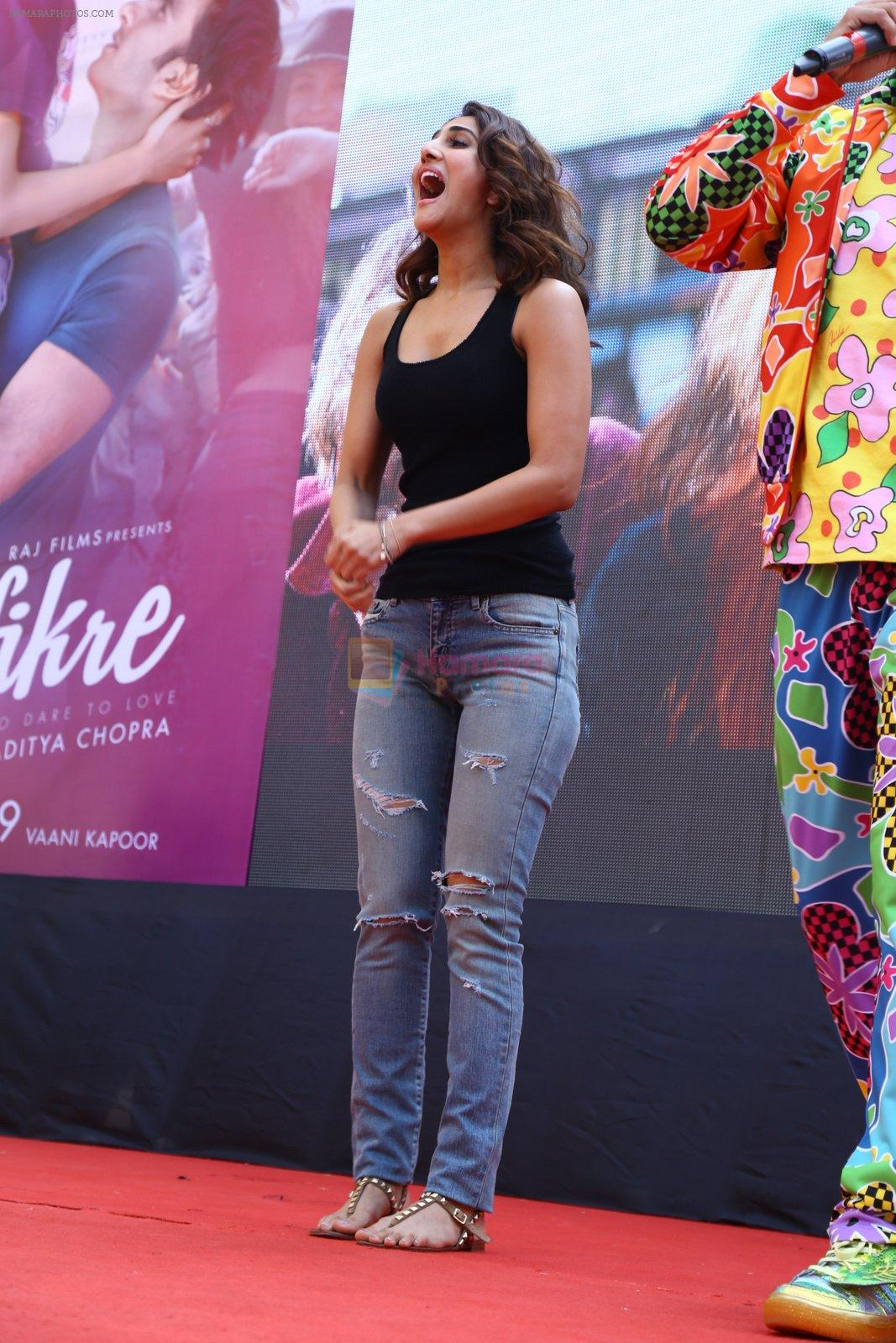 Vaani Kapoor promote Befikre in Delhi University on 24th Nov 2016