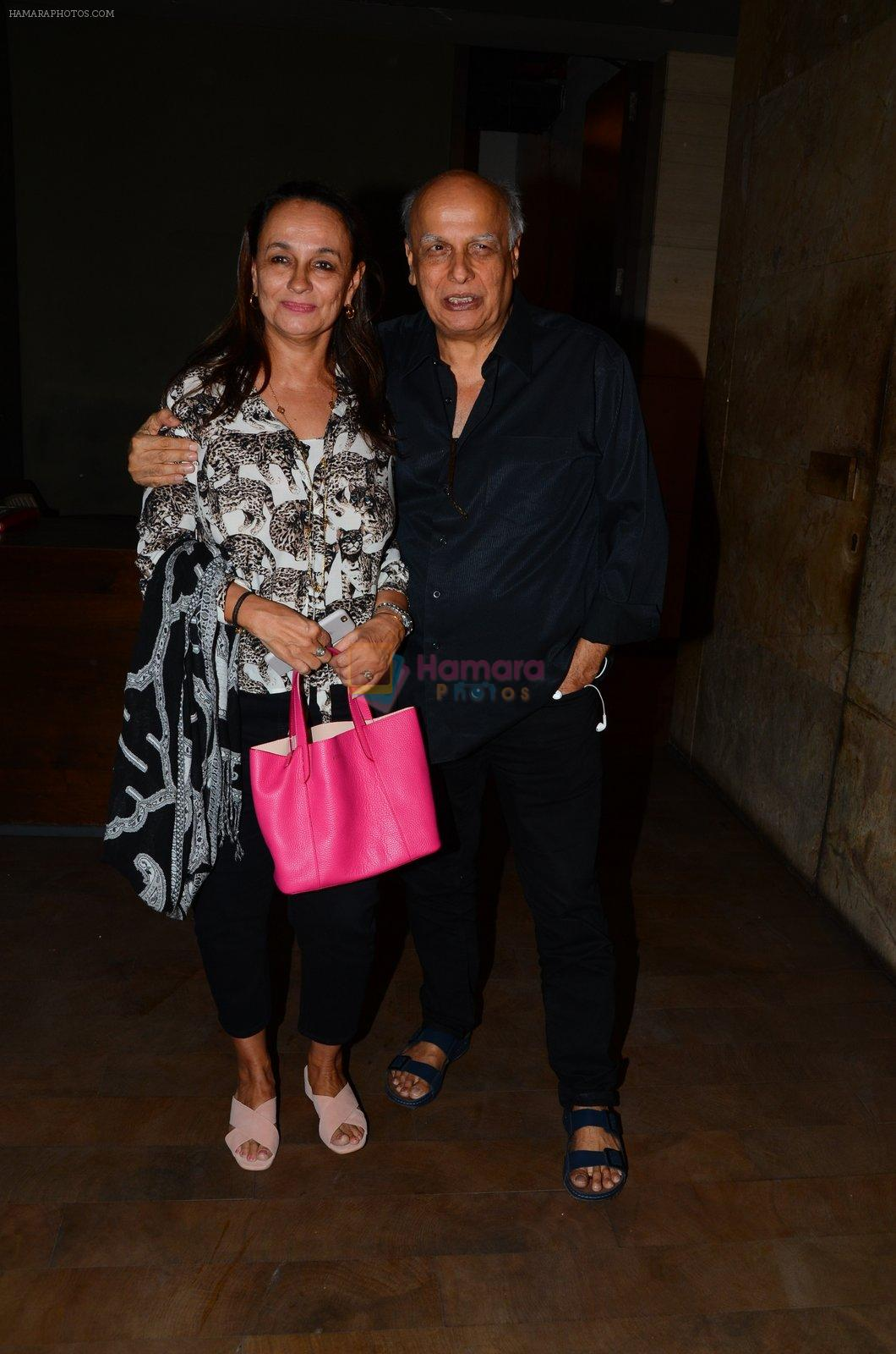 Soni Razdan, Mahesh Bhatt at Dear Zindagi screening in Mumbai on 24th Nov 2016