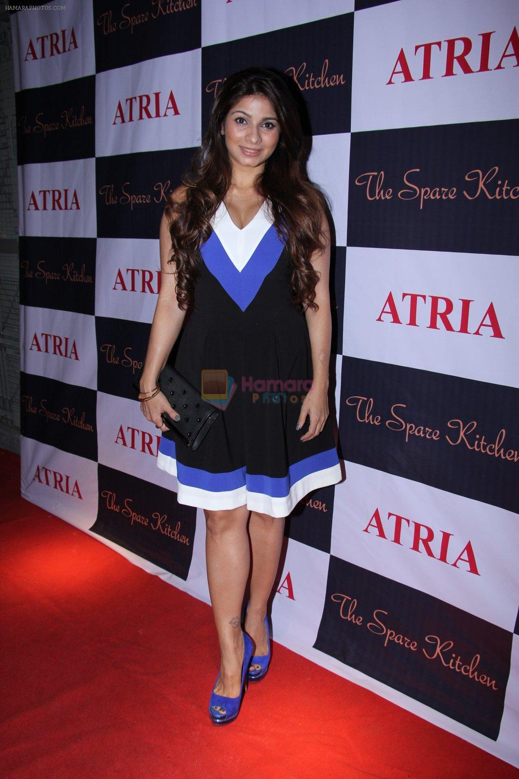 Tanisha Mukherjee at Ritika and Kunal Vardhan's Spare Kitchen launch in Atria Mall on 25th nov 2016