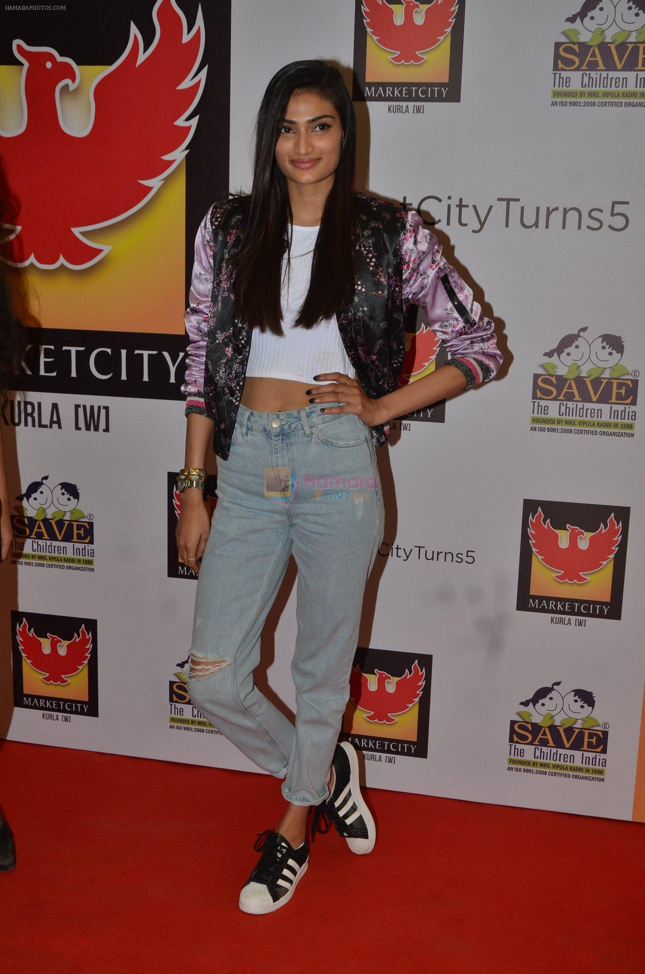 Athiya Shetty at save the children event on 26th Nov 2016