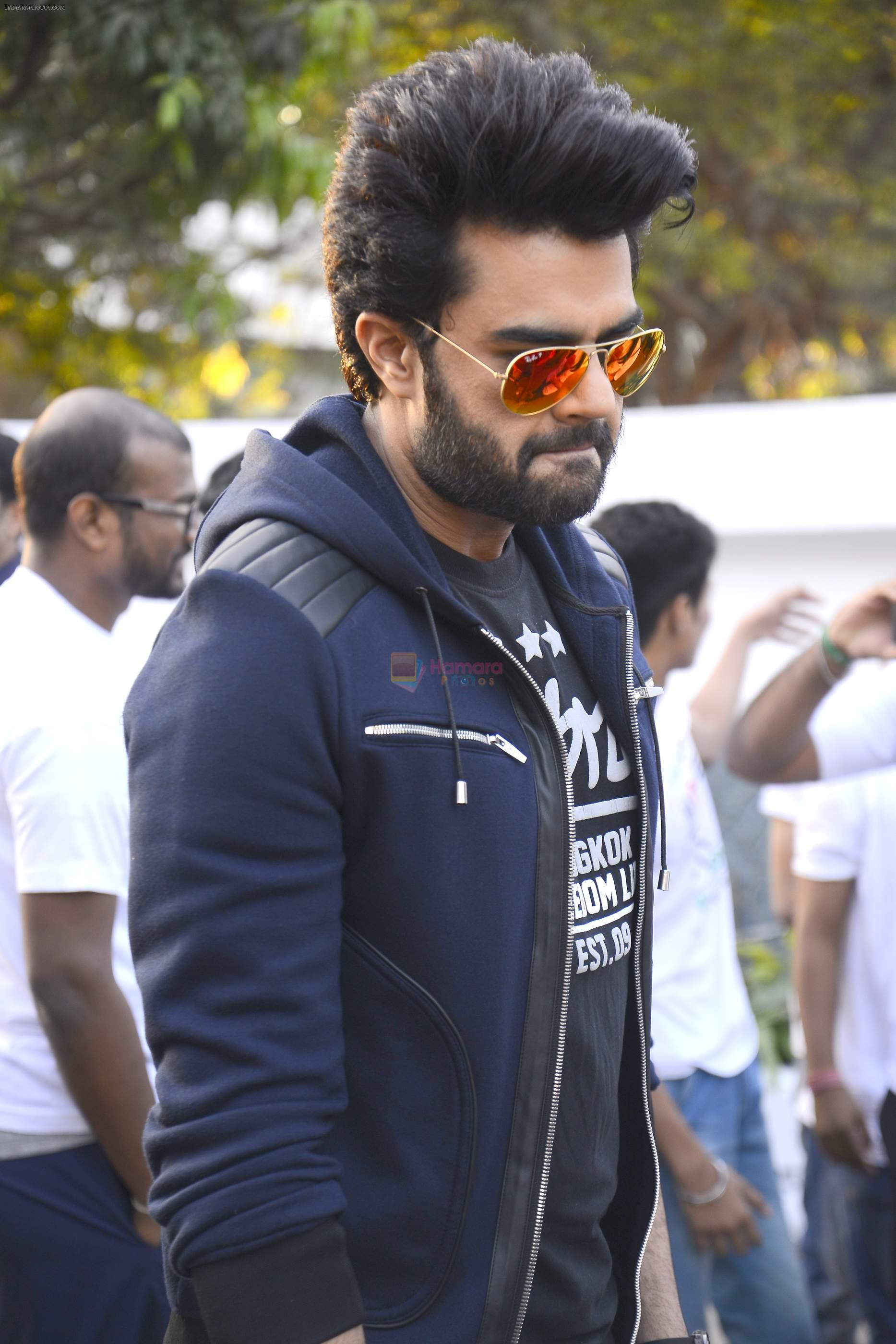 Manish Paul for NDTV walkathon for organ donation at mulund on 26th Nov 2016
