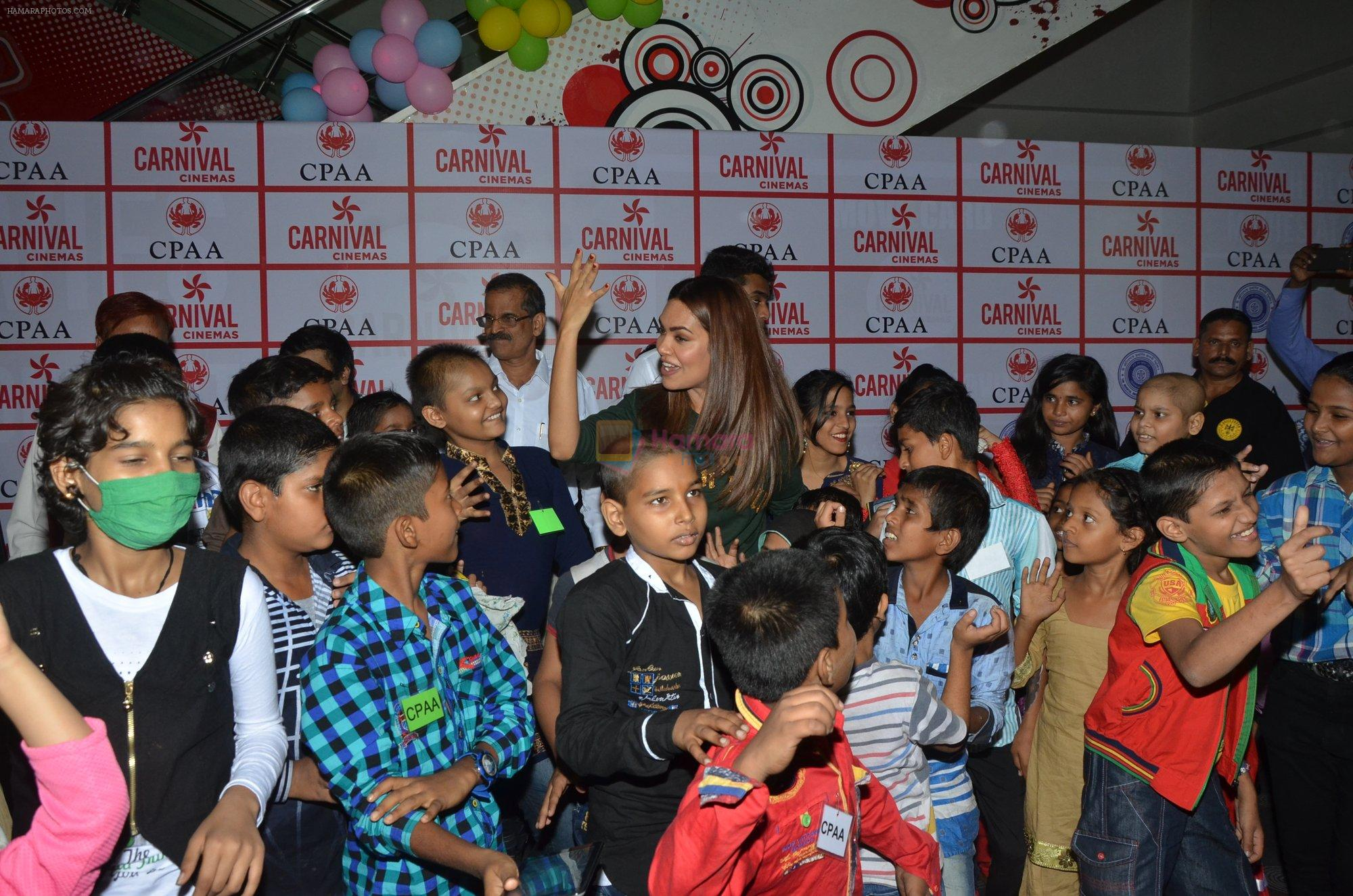 Esha Gupta at CPAA event on 26th Nov 2016