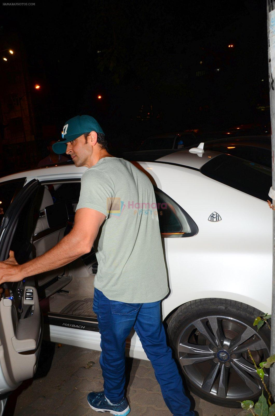 Hrithik Roshan snapped leaving recording studio on 27th Nov 2016