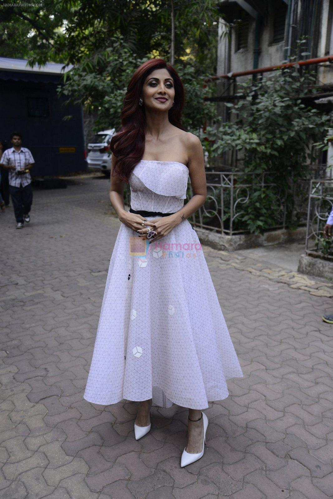 Shilpa Shetty on the sets of Super Dancer on 27th Nov 2016