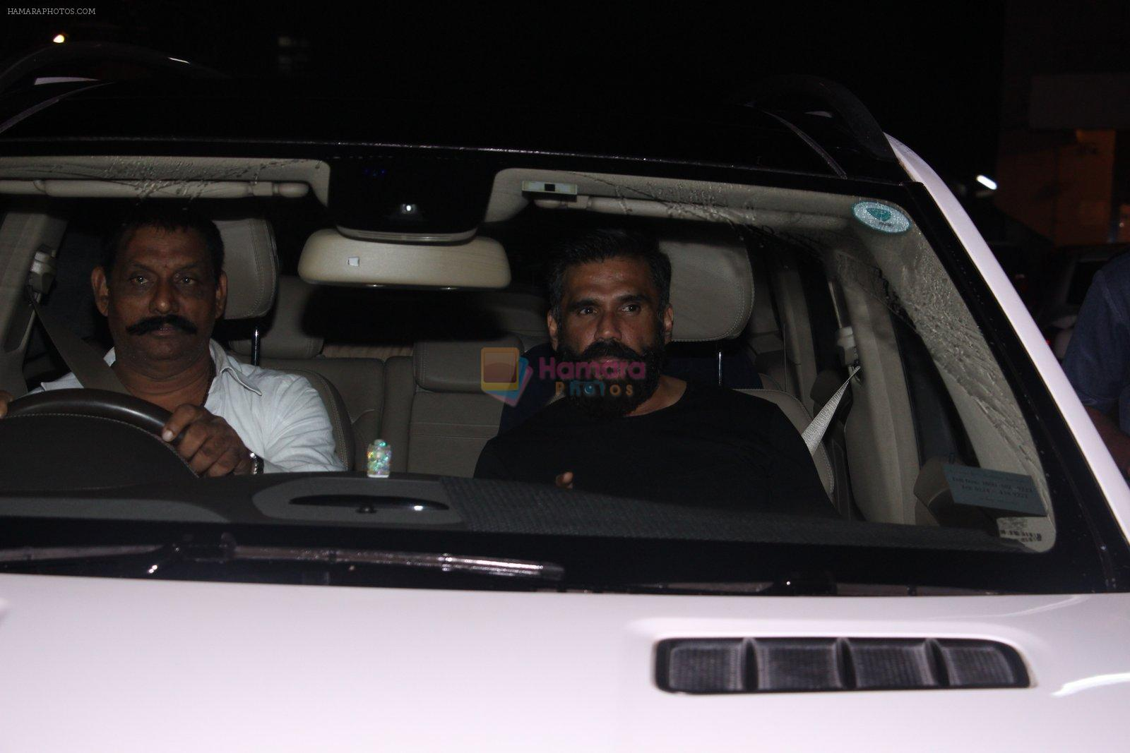 Sunil Shetty at Salman Khan's party in Galaxy on 28th Nov 2016