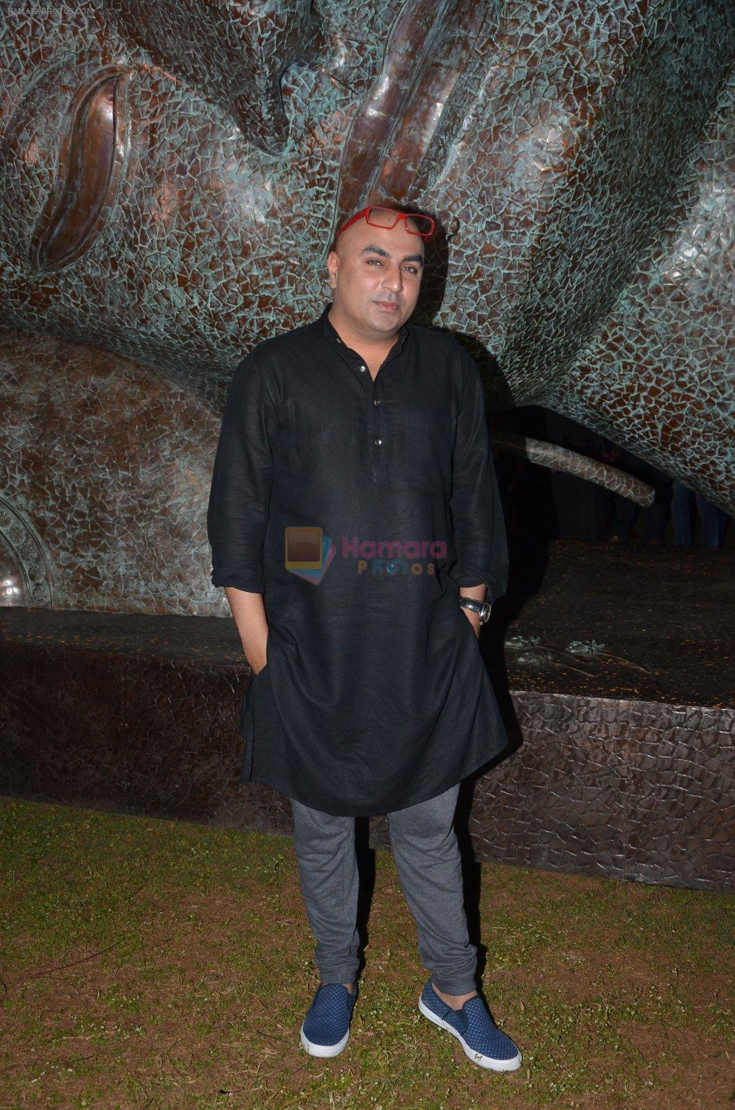 krsna mehta at Satish Gupta's art exhibition by Gallery Art N Soul on 29th Nov 2016