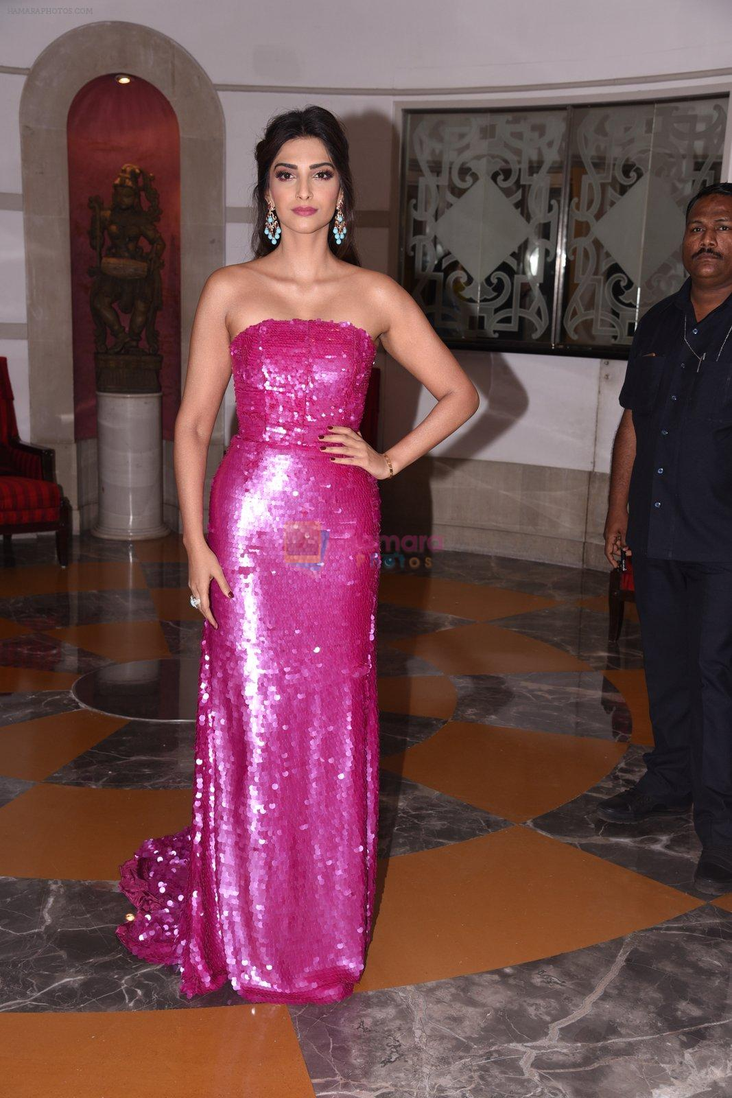 Sonam Kapoor at Brand Vision Awards in Mumbai on 30th Nov 2016