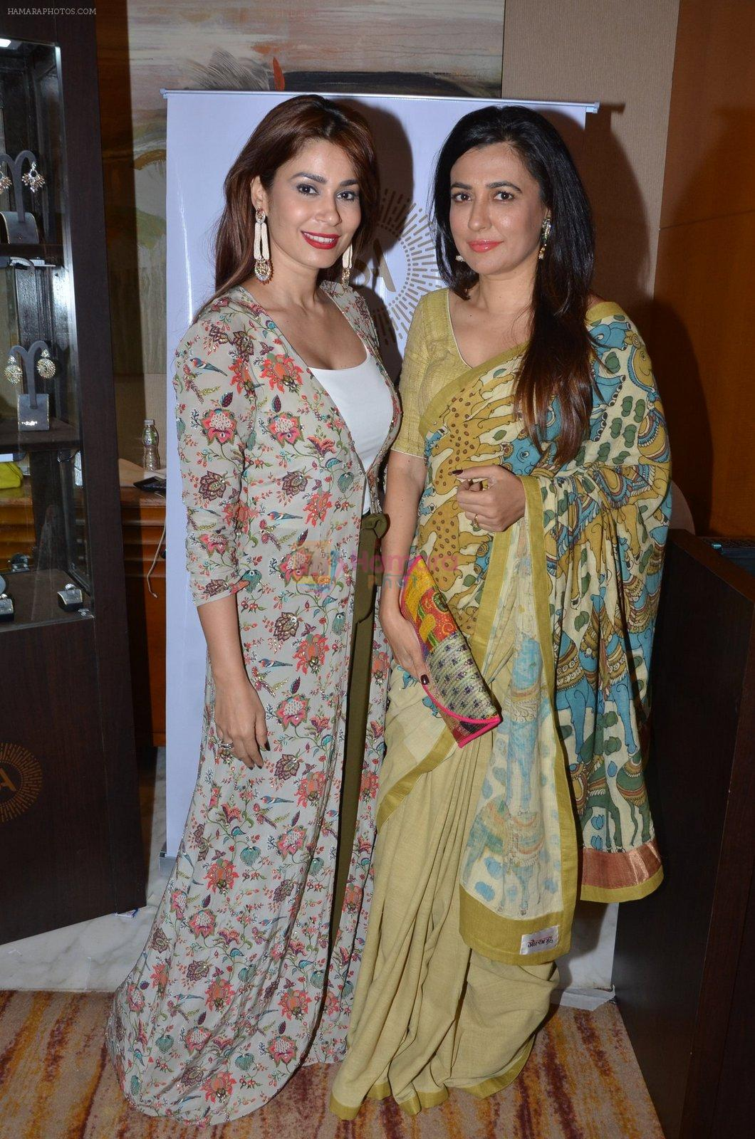 Mini Mathur at Payal Singhal, Shaheen Abbas, Nisha Jhangiani trunk show on 1st Dec 2016