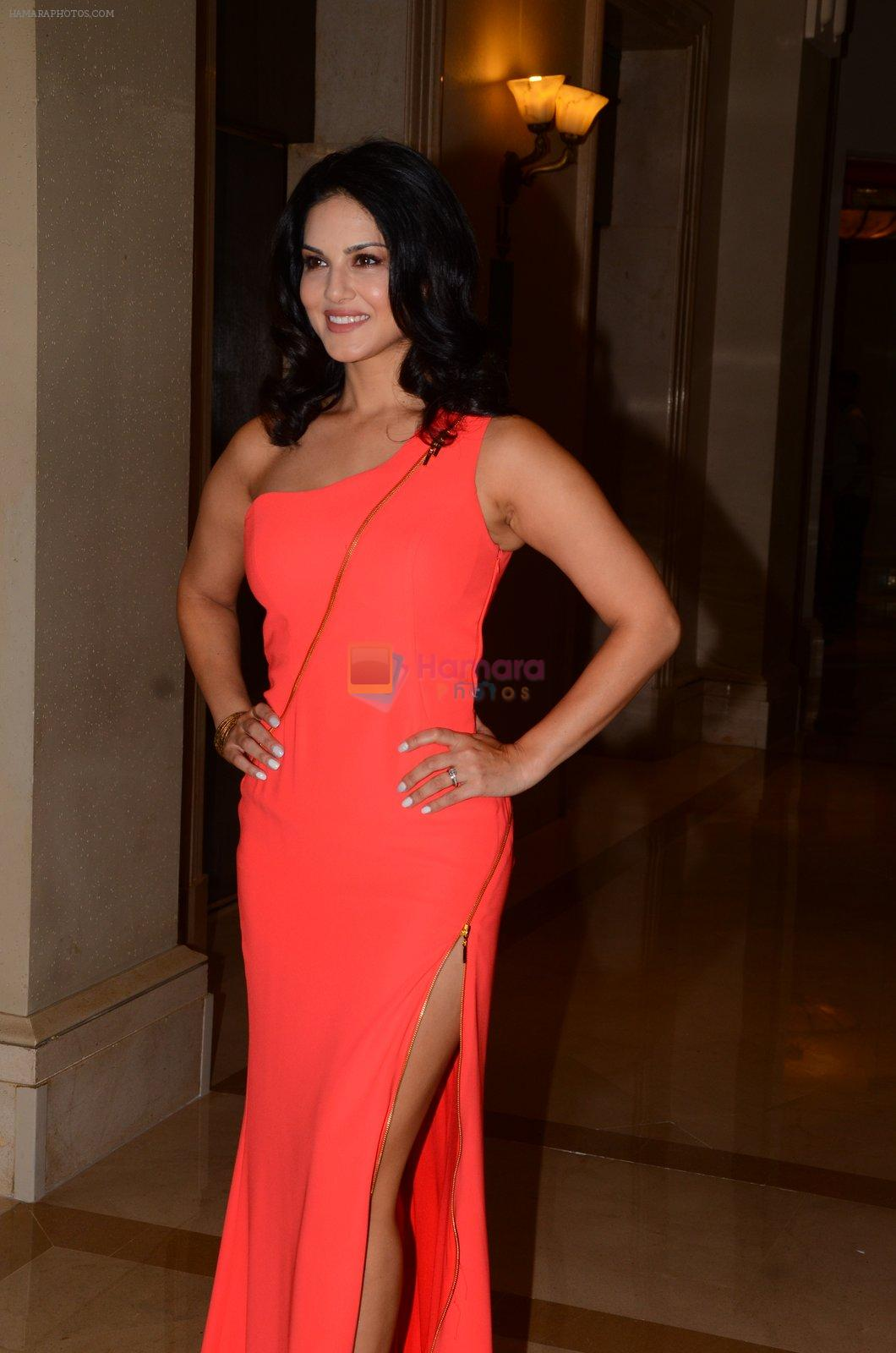 Sunny Leone Launches Her Own MOBILE APP For Fans on 30th Nov 2016