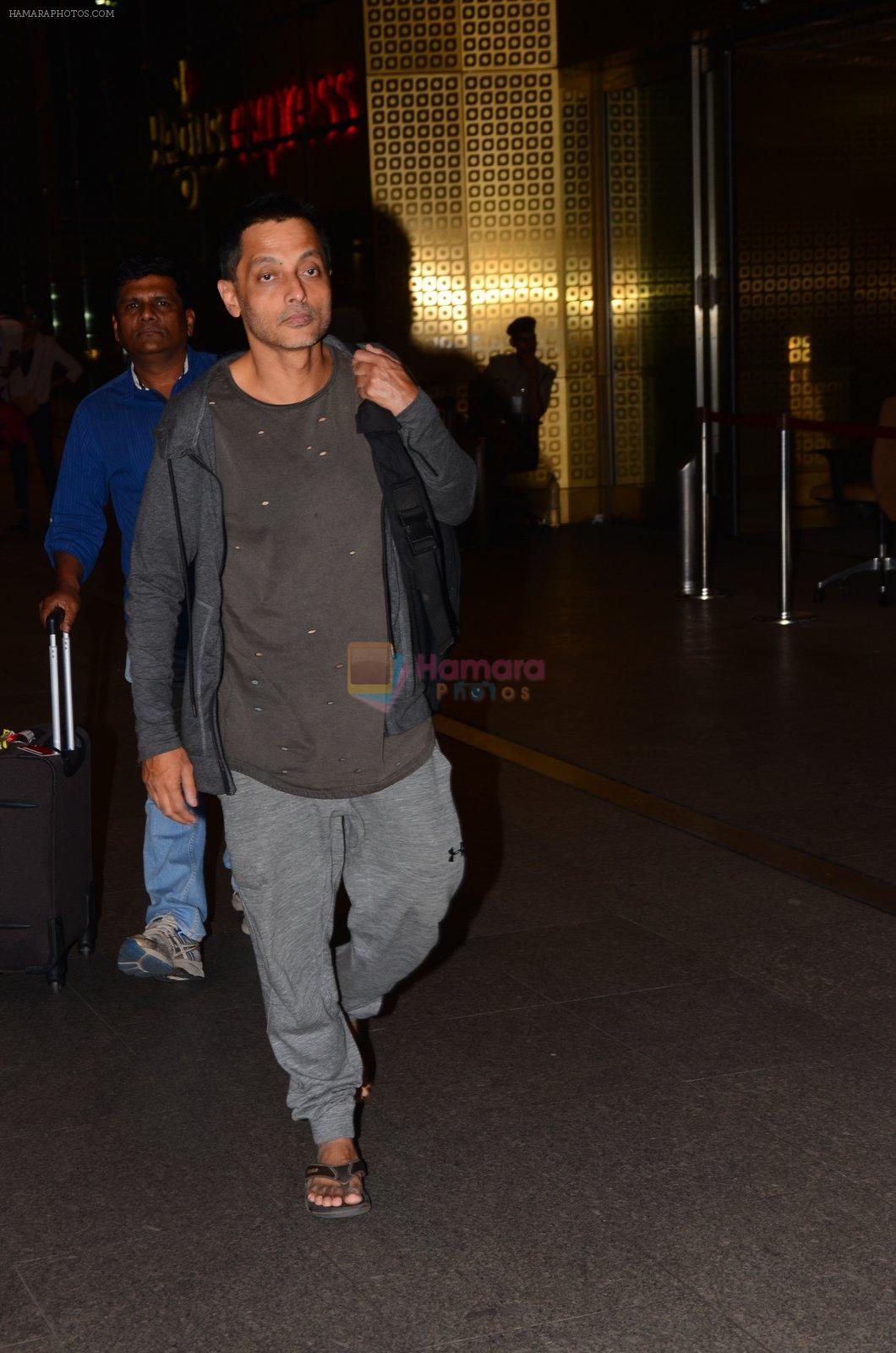 Sujoy Gosh snapped in Mumbai on 30th Nov 2016