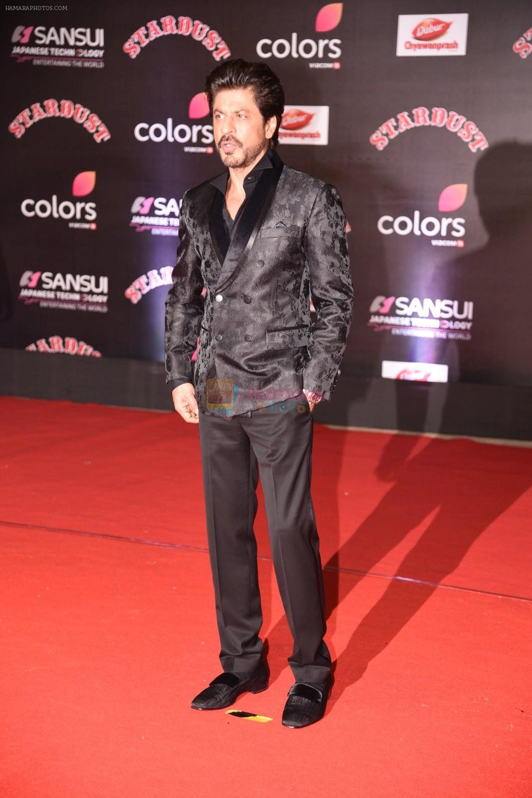 Shahrukh Khan at 14th Sansui COLORS Stardust Awards on 19th Dec 2016