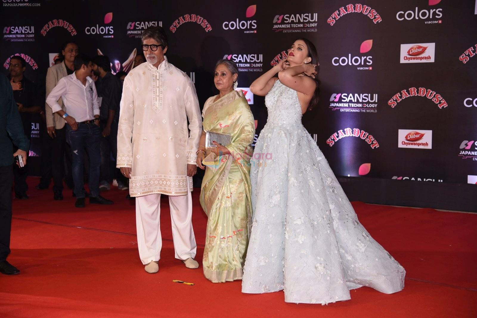 Amitabh Bachchan, Jaya Bachchan, Aishwarya Rai Bachchan at 14th Sansui COLORS Stardust Awards on 19th Dec 2016