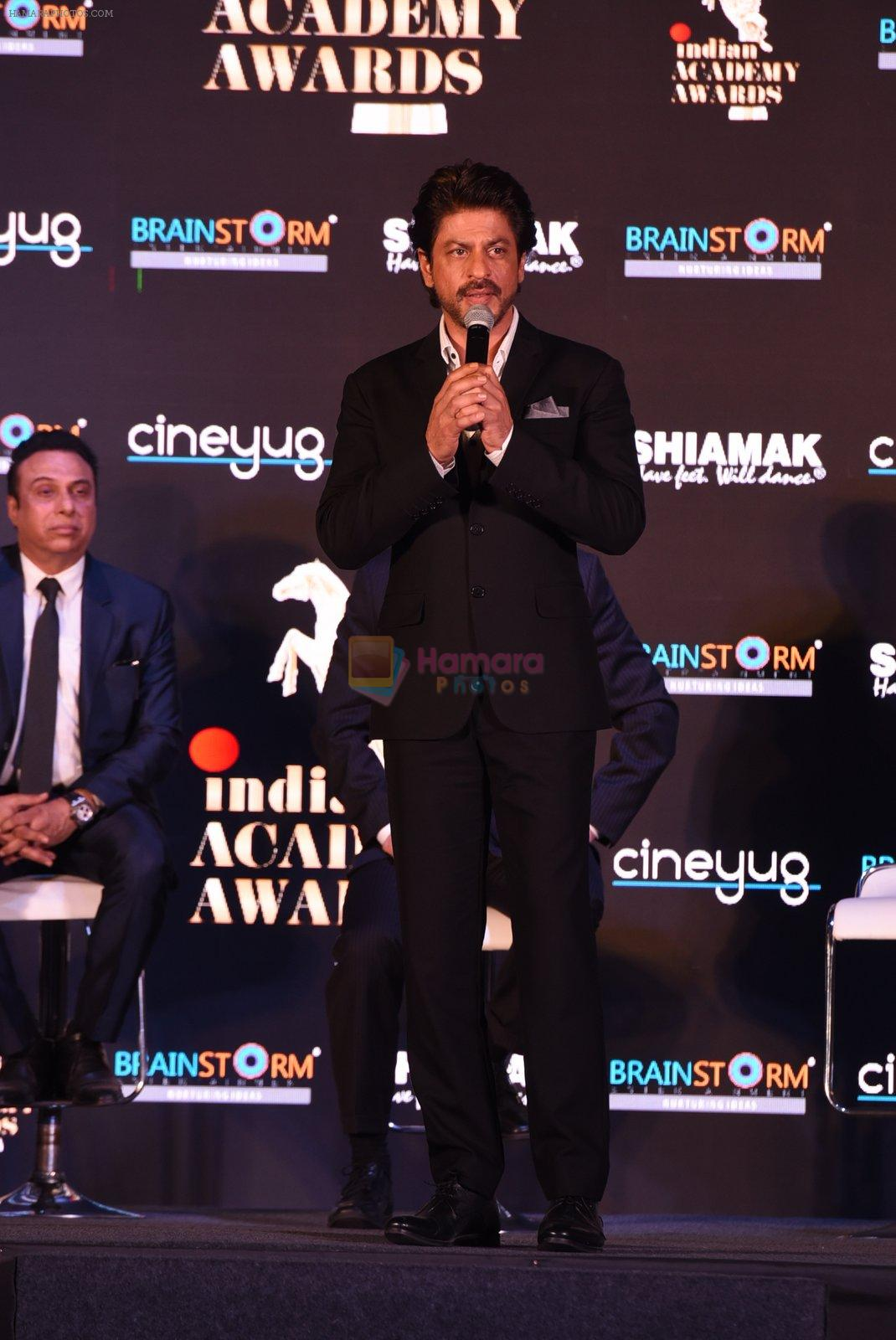 Shah Rukh Khan at a press meet to announce Indian Academy Awards on 21st Dec 2016
