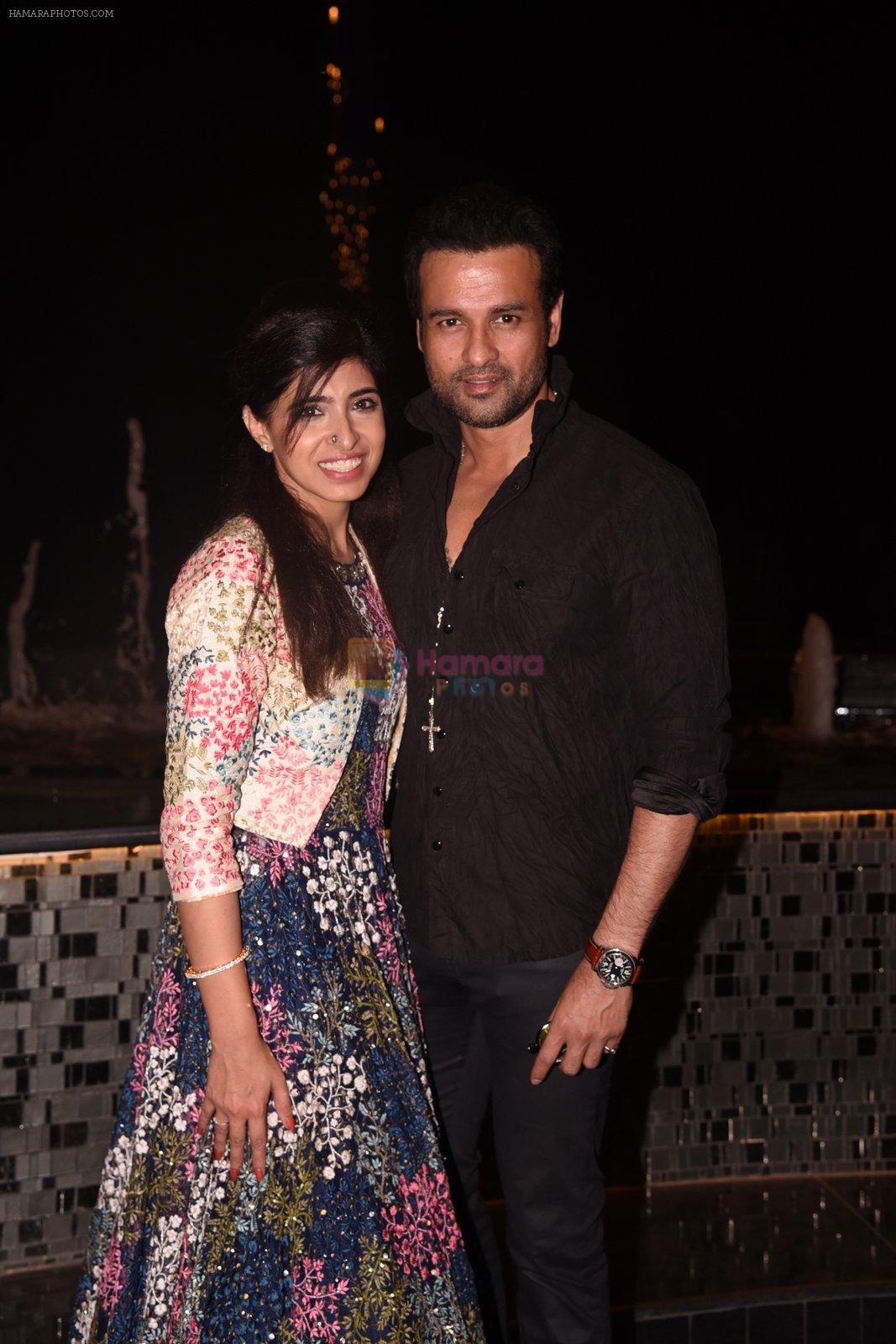 Rohit Roy walk for Lakshyam show at Brand of the Year Awards on 21st Dec 2016