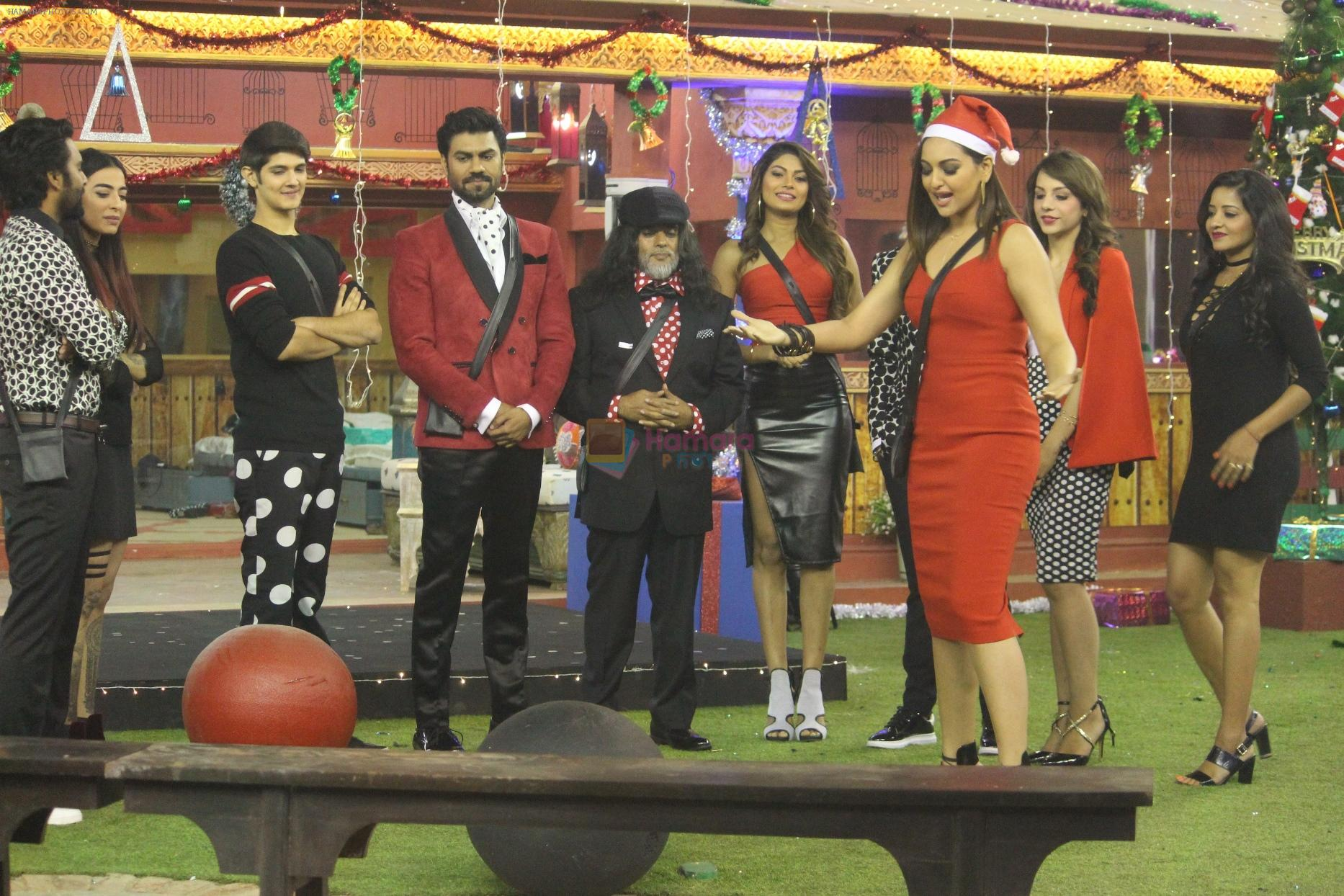 Sonakshi Sinha enters Bigg Boss 10 house on Christmas on