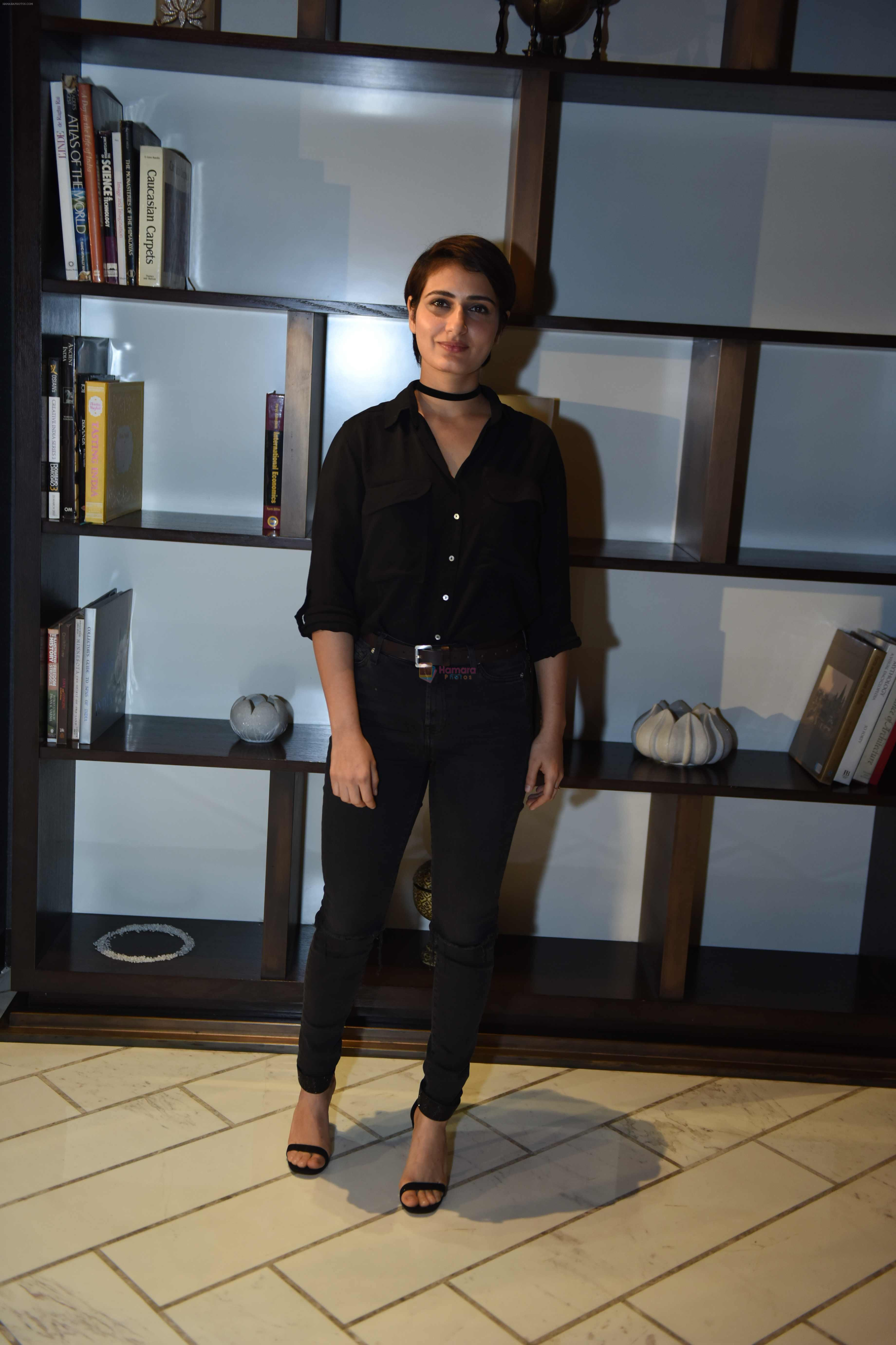 Fatima Sana Shaikh with Dangal Team in Delhi on 26th Dec 2016