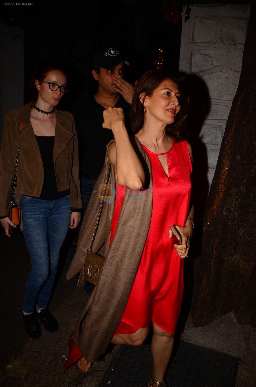 Sangeeta Bijlani snapped at Corner House in Bandra on 24th Dec 2016