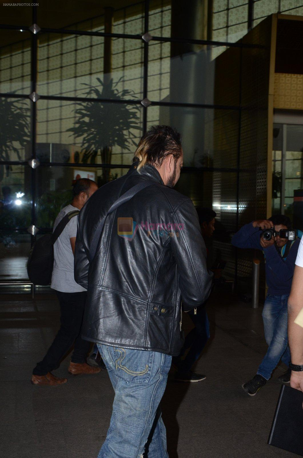 Sanjay Dutt snapped at airport on 29th Dec 2016