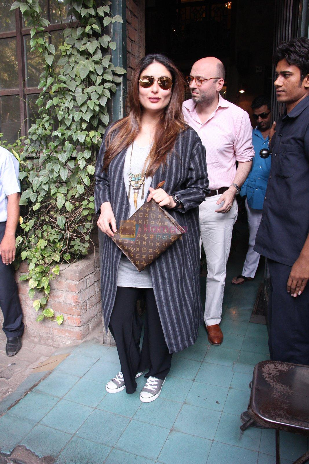 Kareena Kapoor out on lunch on 30th Dec 2016