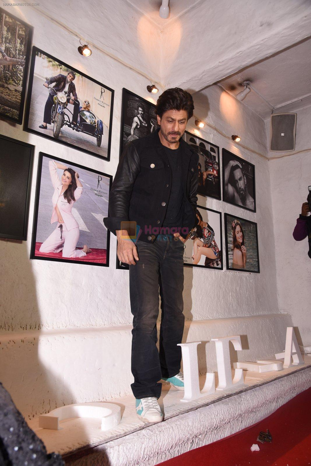 Shahrukh Khan at Dabboo Ratnani calendar launch in Mumbai on 11th Jan 2017