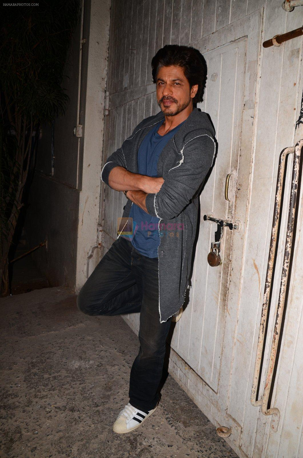 Shah Rukh Khan snapped as he promotes Raees on 12th Jan 2017