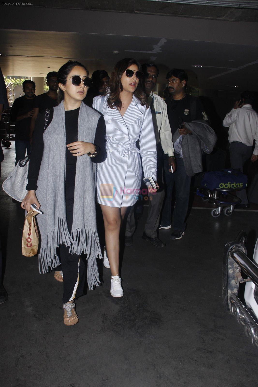 Parineeti Chopra snapped at airport  on 13th Jan 2017