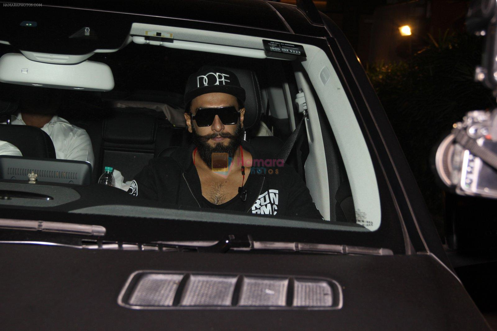 Ranveer Singh snapped in Bandra on 31st Jan 2017