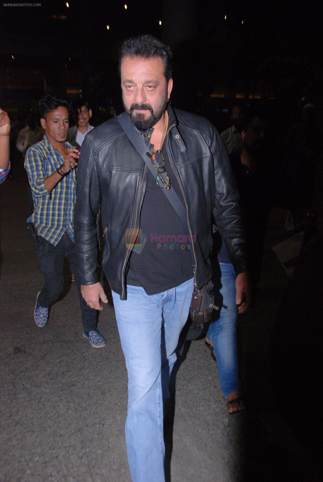 Sanjay Dutt snapped at airport on 31st Jan 2017
