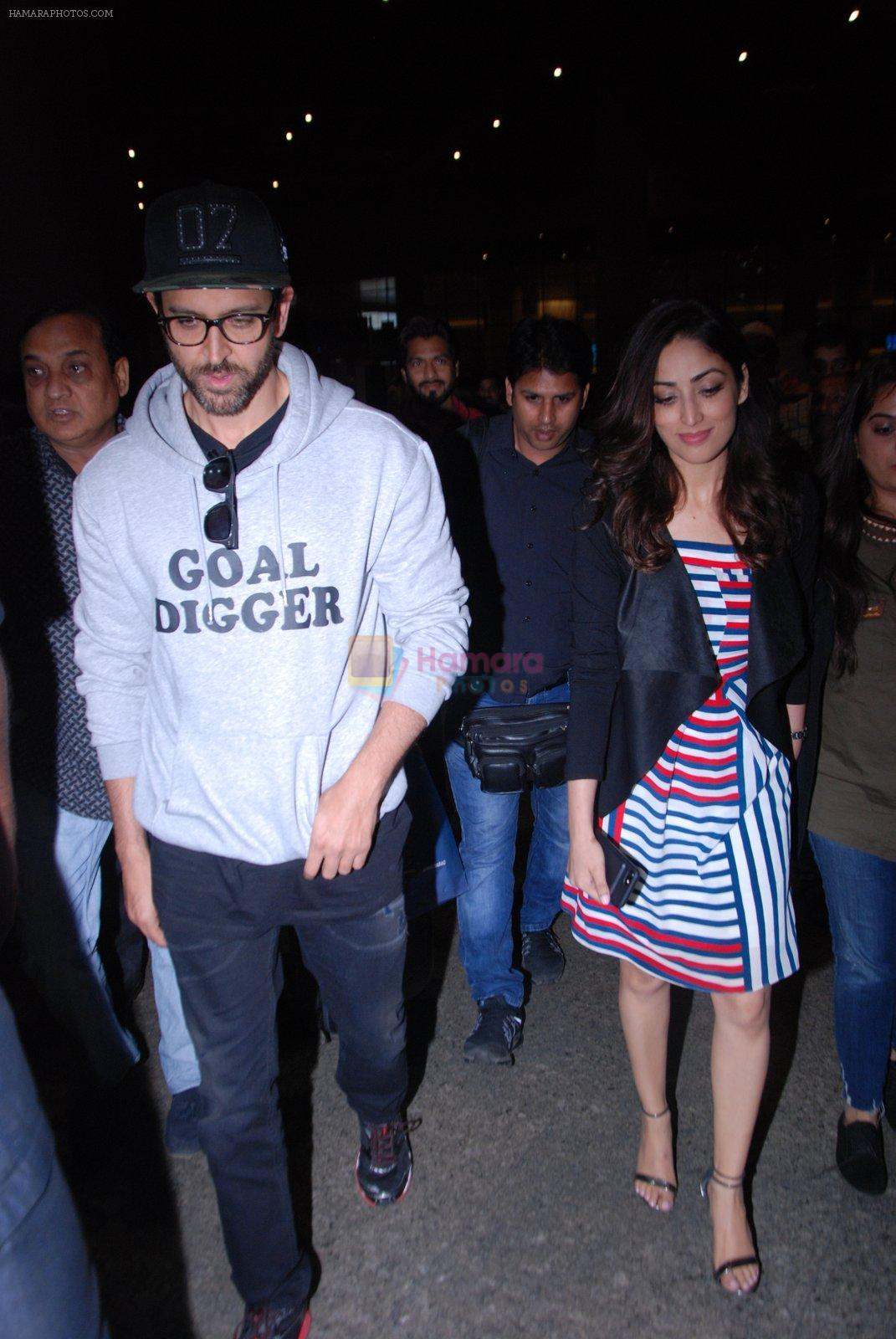 Hrithik Roshan, Yami Gautam  snapped at airport on 31st Jan 2017