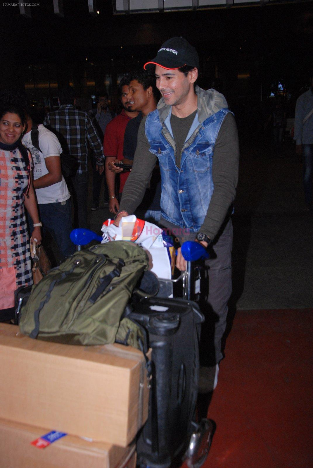 Dino Morea snapped at airport on 31st Jan 2017
