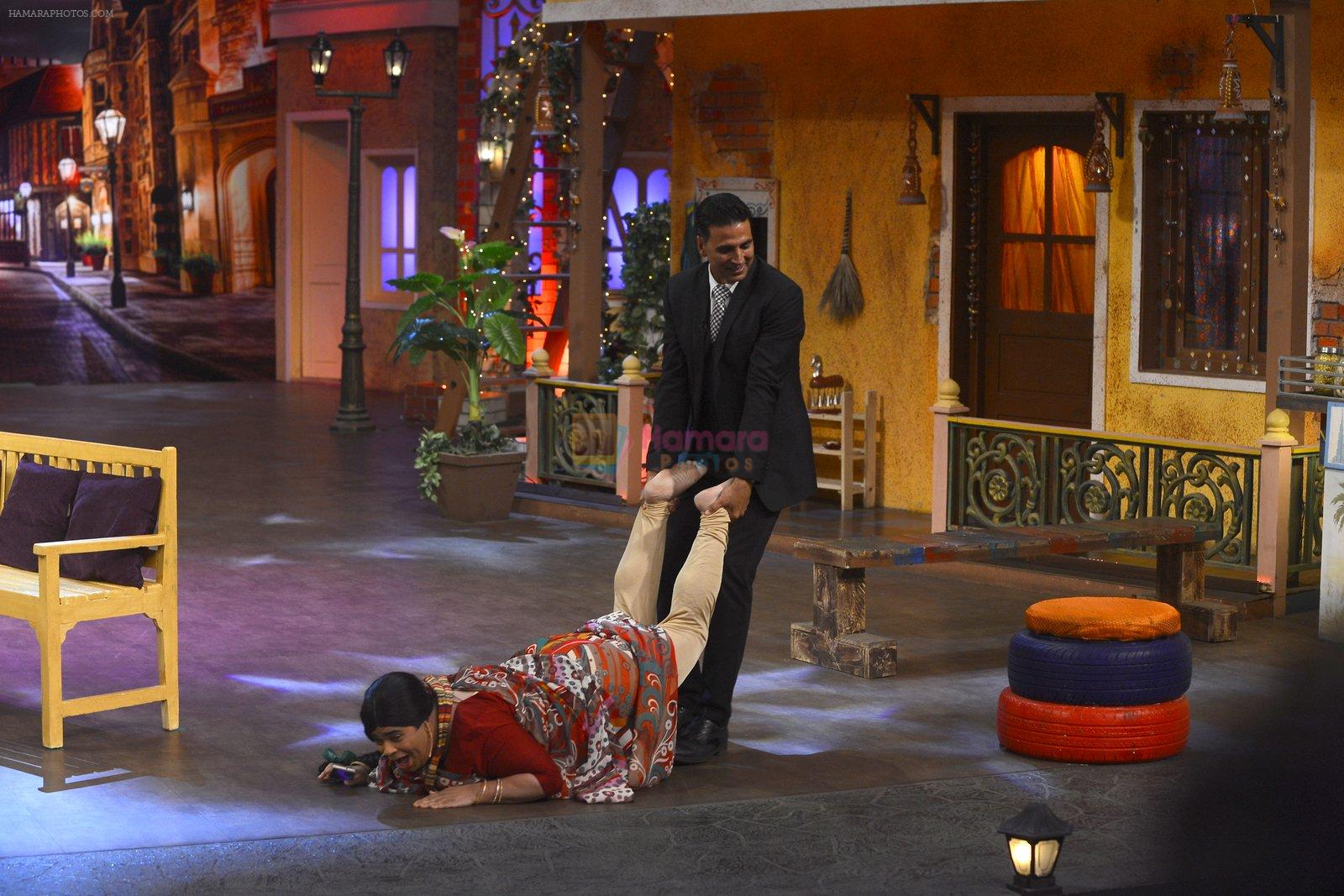 Akshay Kumar, Huma Qureshi promote Jolly LLB 2 on the sets of The Kapil Sharma Show on 31st Jan 2017