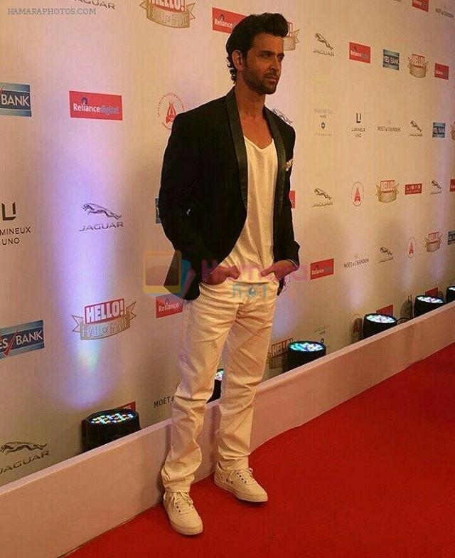 Hrithik Roshan On Red Carpet Of Hello Hall Of Fame Awards on 29th March 2017