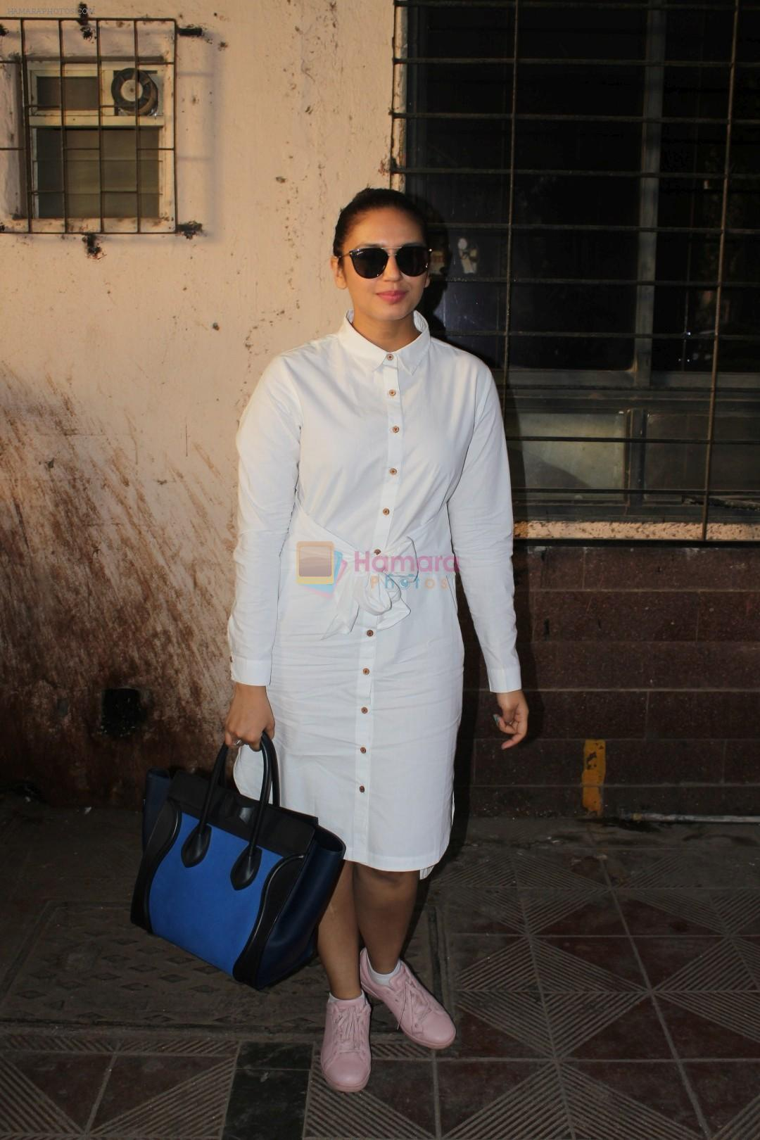 Huma Qureshi Spotted At Scrabble Digital Studio on 27th May 2017