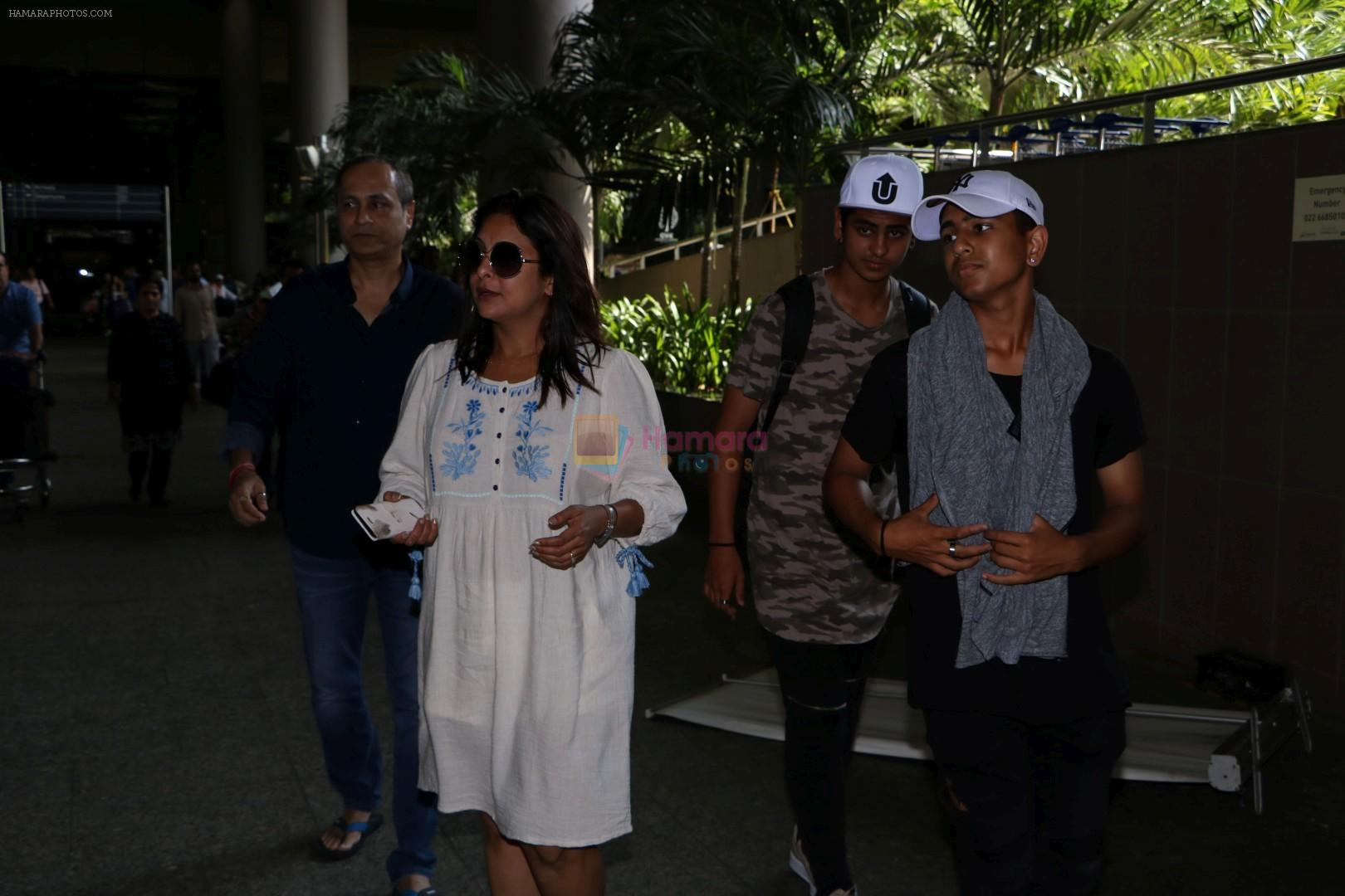 Vipul Amrutlal Shah with His Family Spotted At International Airport on 16th June 2017