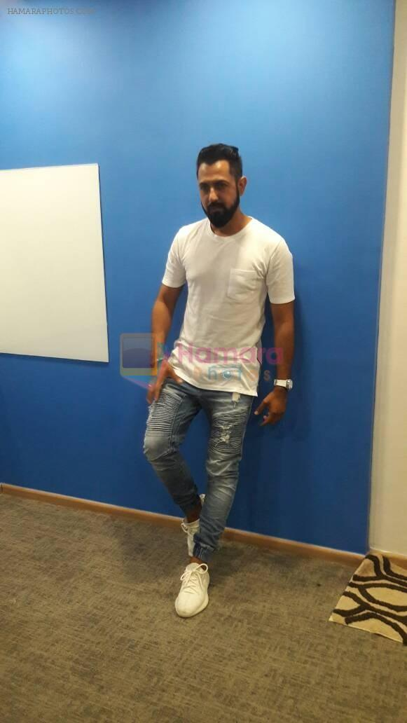 Interview With Puinjabi Pop Singer Gippy Grewal For His Single & Upcomig Film Lucknow Central on 16th June 2017