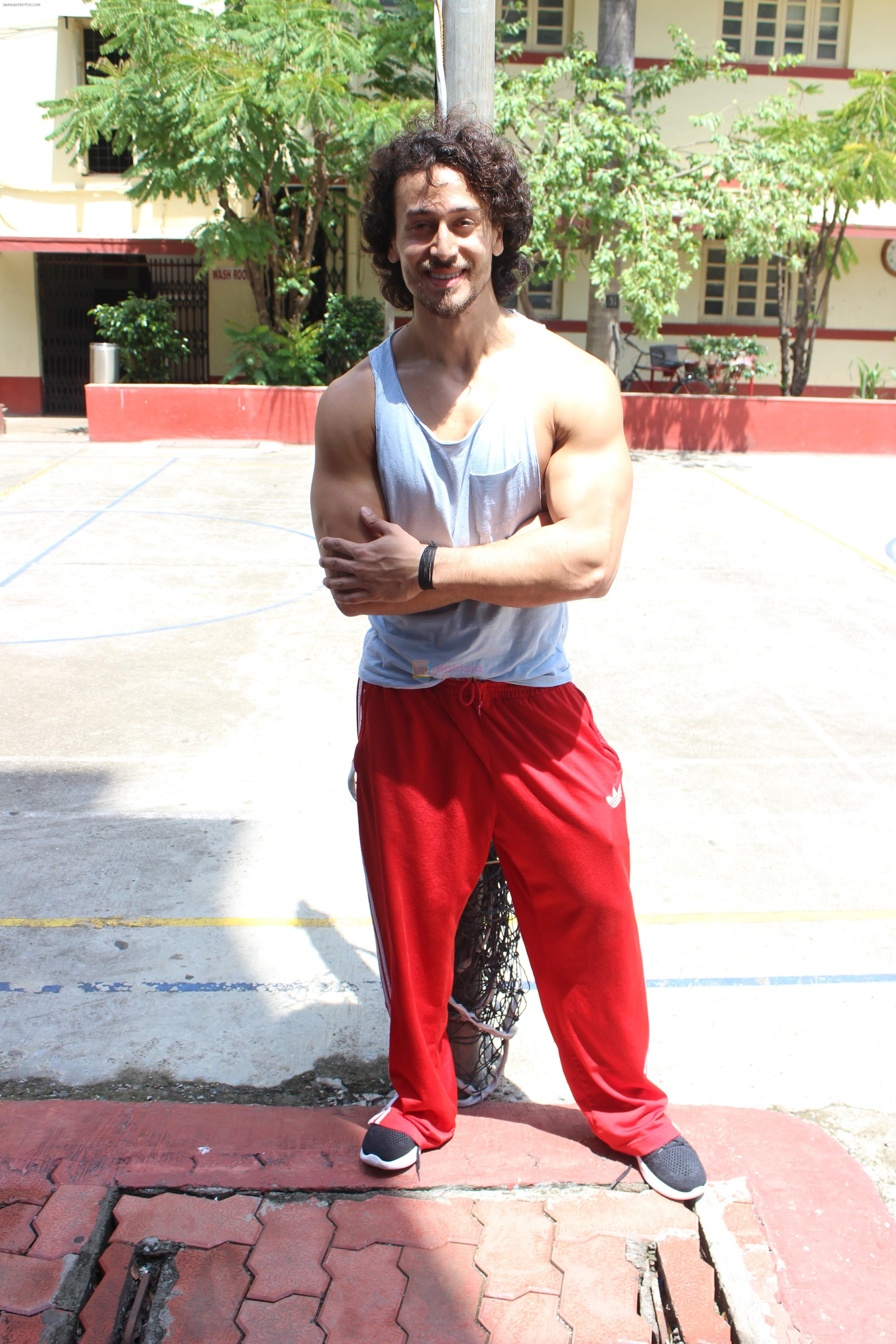 Tiger Shroff spotted at gym on 16th June 2017