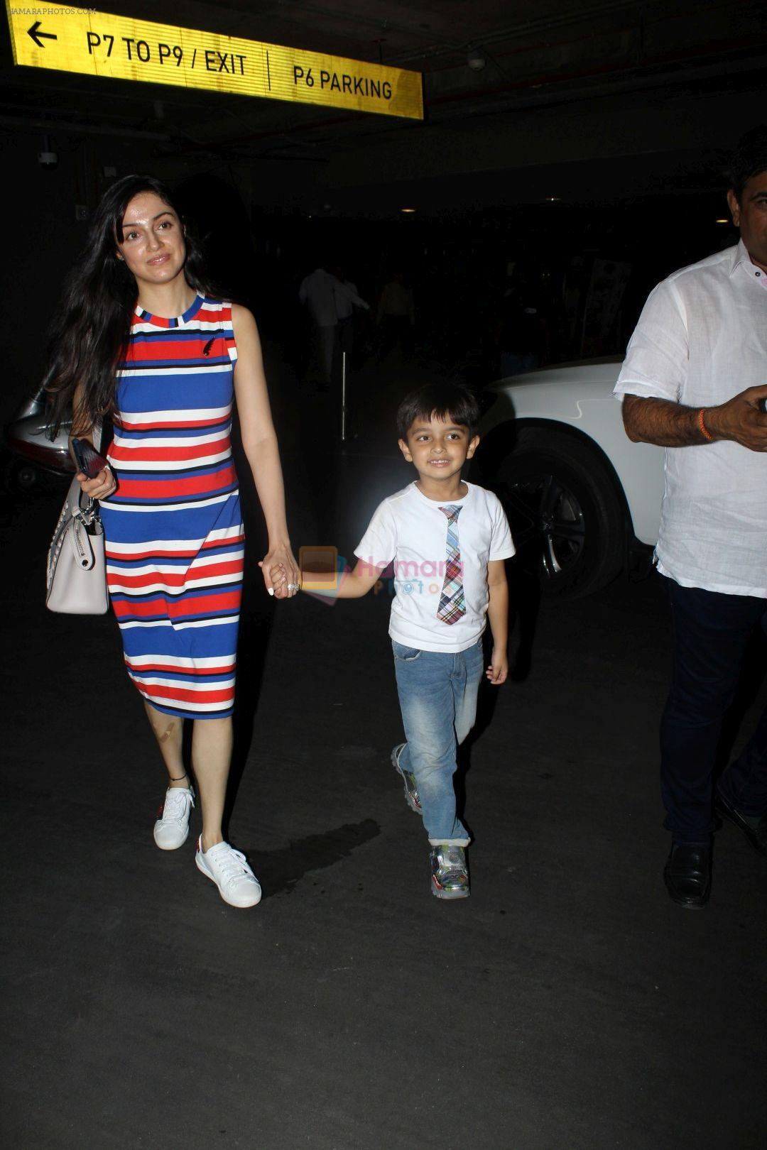 Divya Khosla Kumar at the airport on 21st June 2017