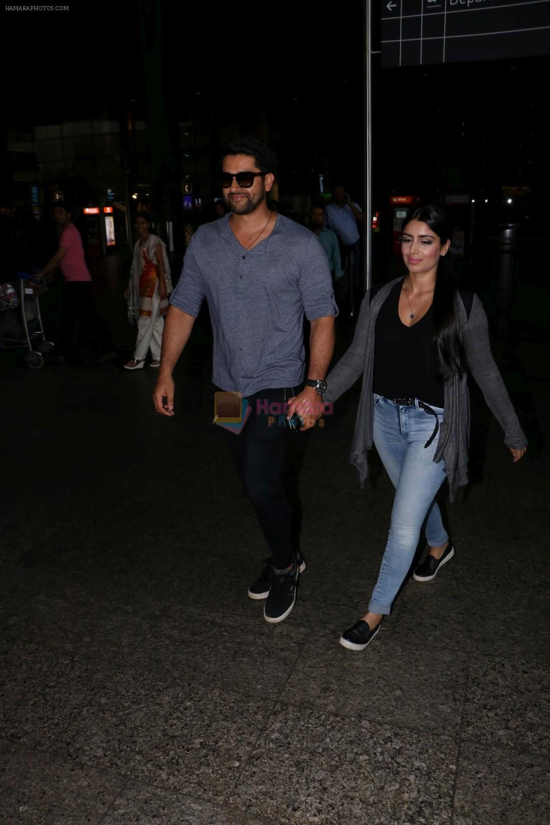 Aftab Shivdasani & His Wife Nin Dusanj Spotted At Airport Returns From IIFA on 18th July 2017