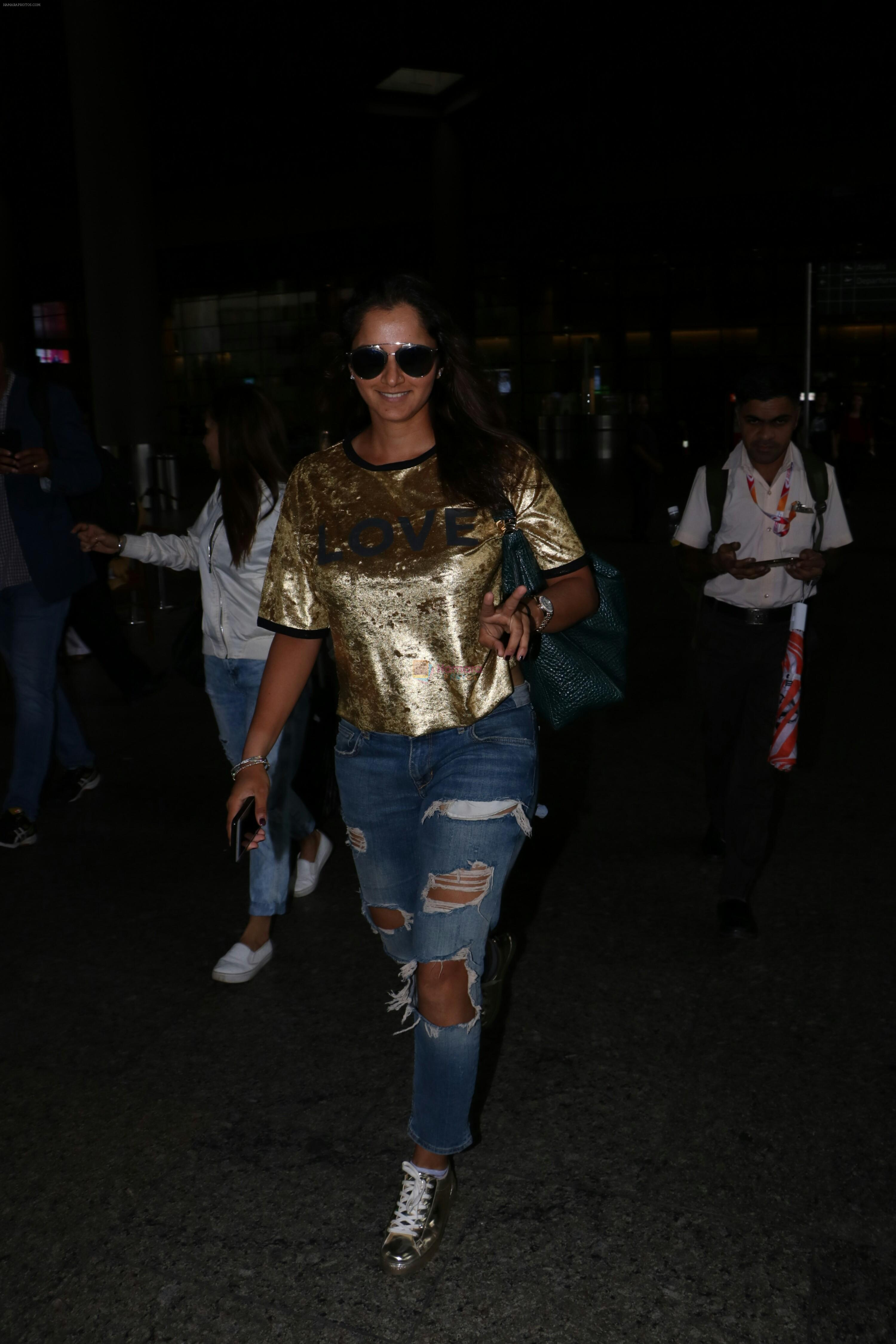 Sania Mirza Spotted At Airport on 26th July 2017