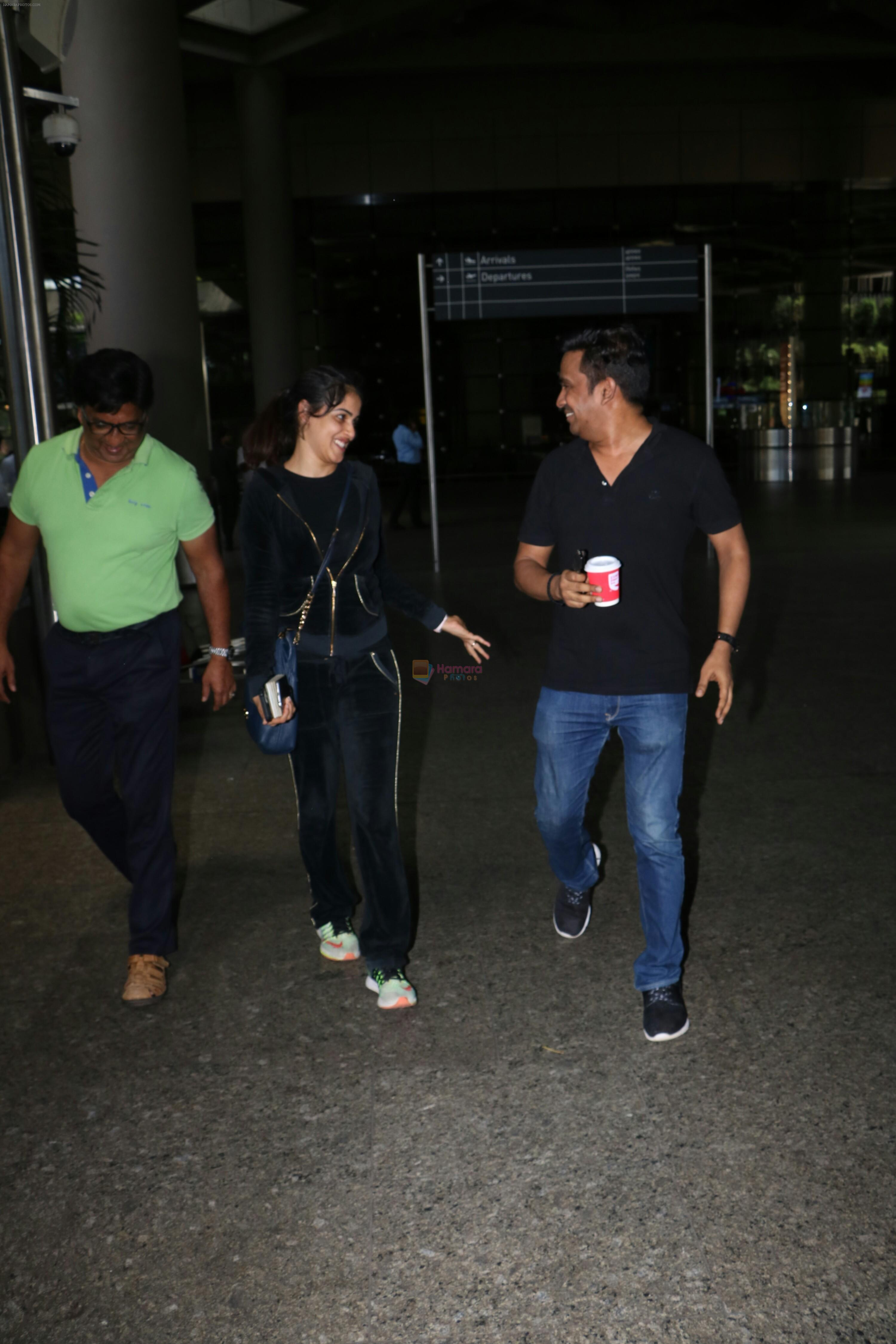 Genelia D'souza Spotted At Airport on 4th Sept 2017