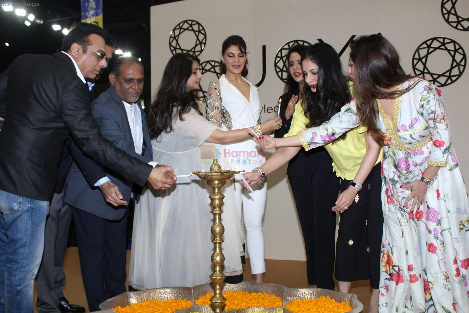 Jacqueline Fernandez, Amruta Fadnavis at the Inauguration Of Shopping Exhibition on 22nd Sept 2017
