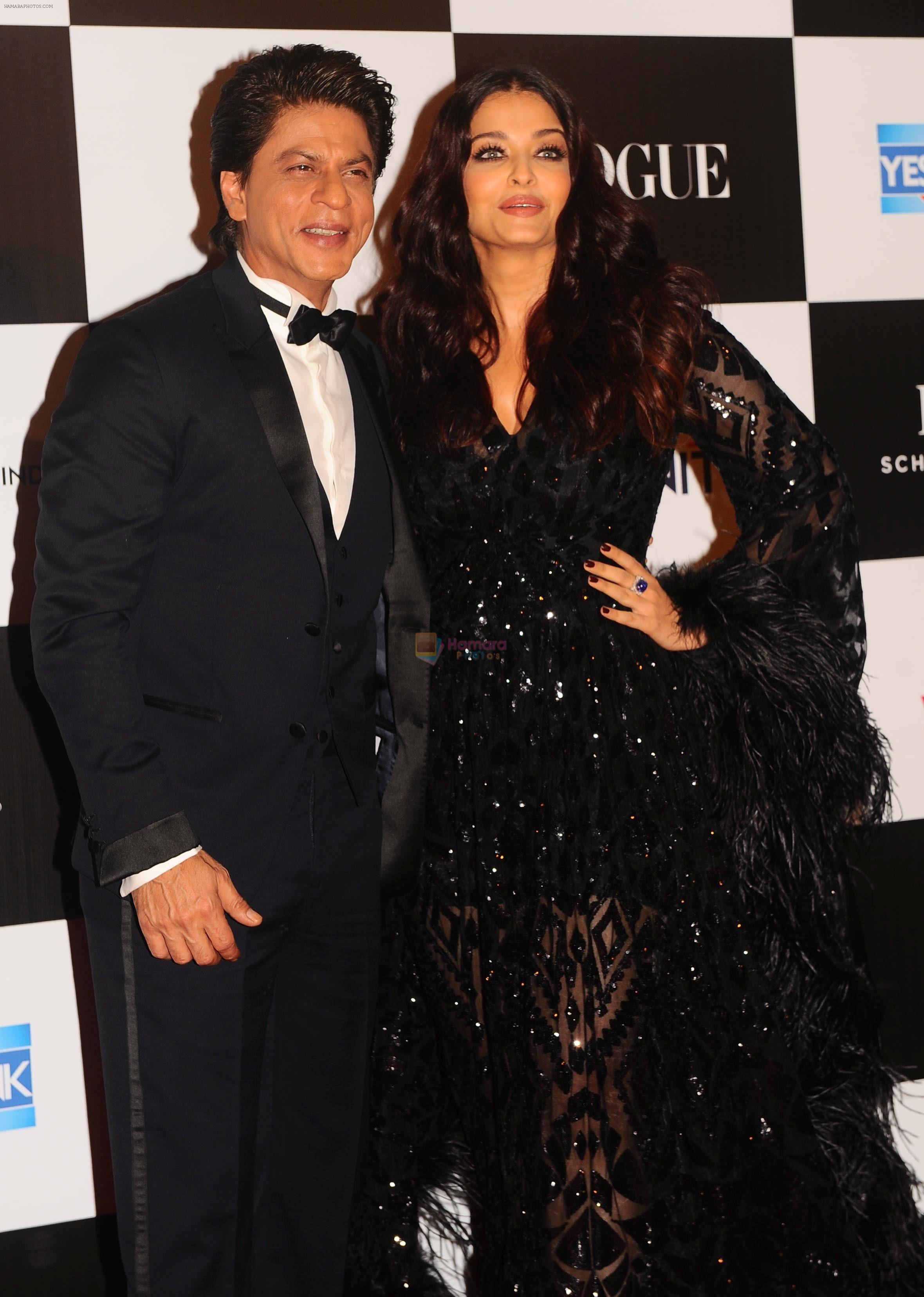 Aishwarya Rai Bachchan, Shah Rukh Khan at the Red Carpet Of Vogue Women Of The Year 2017 on 25th Sept 2017