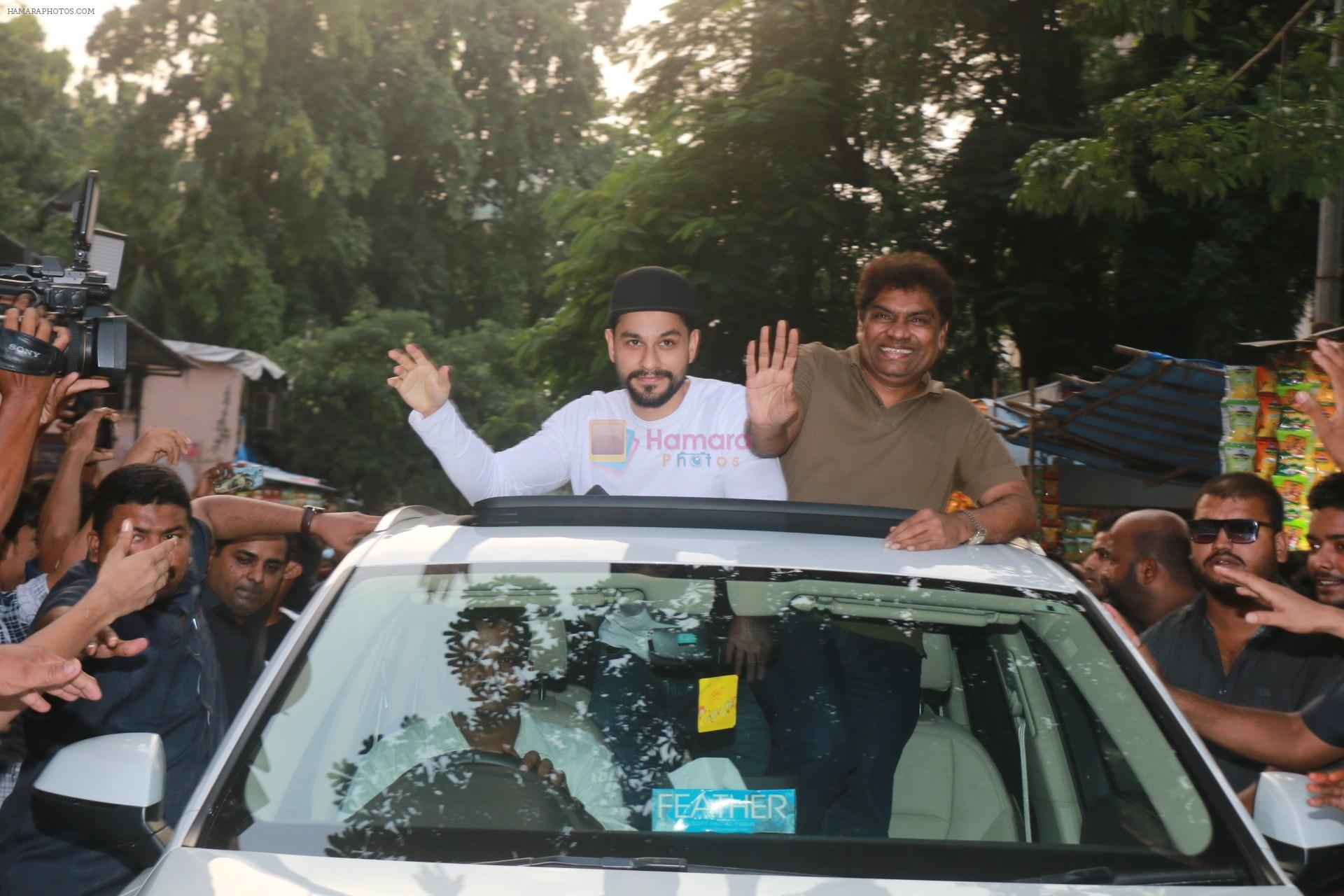 Kunal Khemu, Johnny Lever with Golmaal Again Team Visit Gaiety Cinema on 22nd Oct 2017