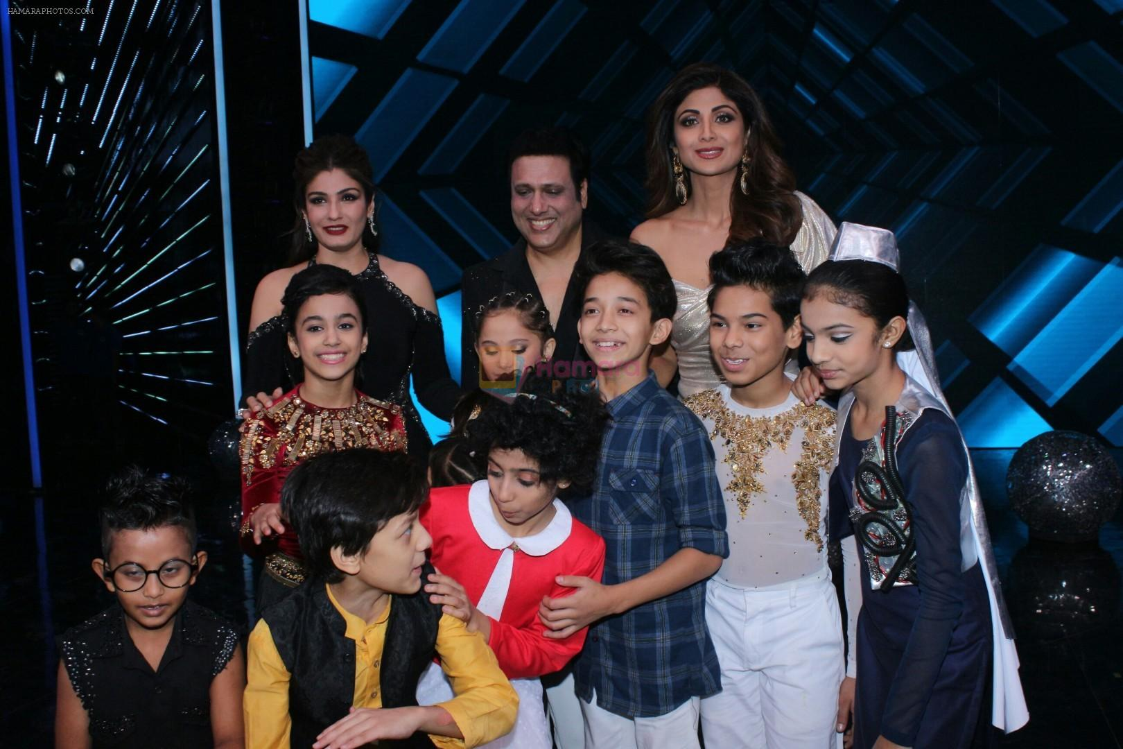 Govinda raveena tandon shilpa shetty on the sets of super dancer govinda raveena tandon shilpa shetty on the sets of super dancer chapter 2 on 4th dec 2017 thecheapjerseys Images